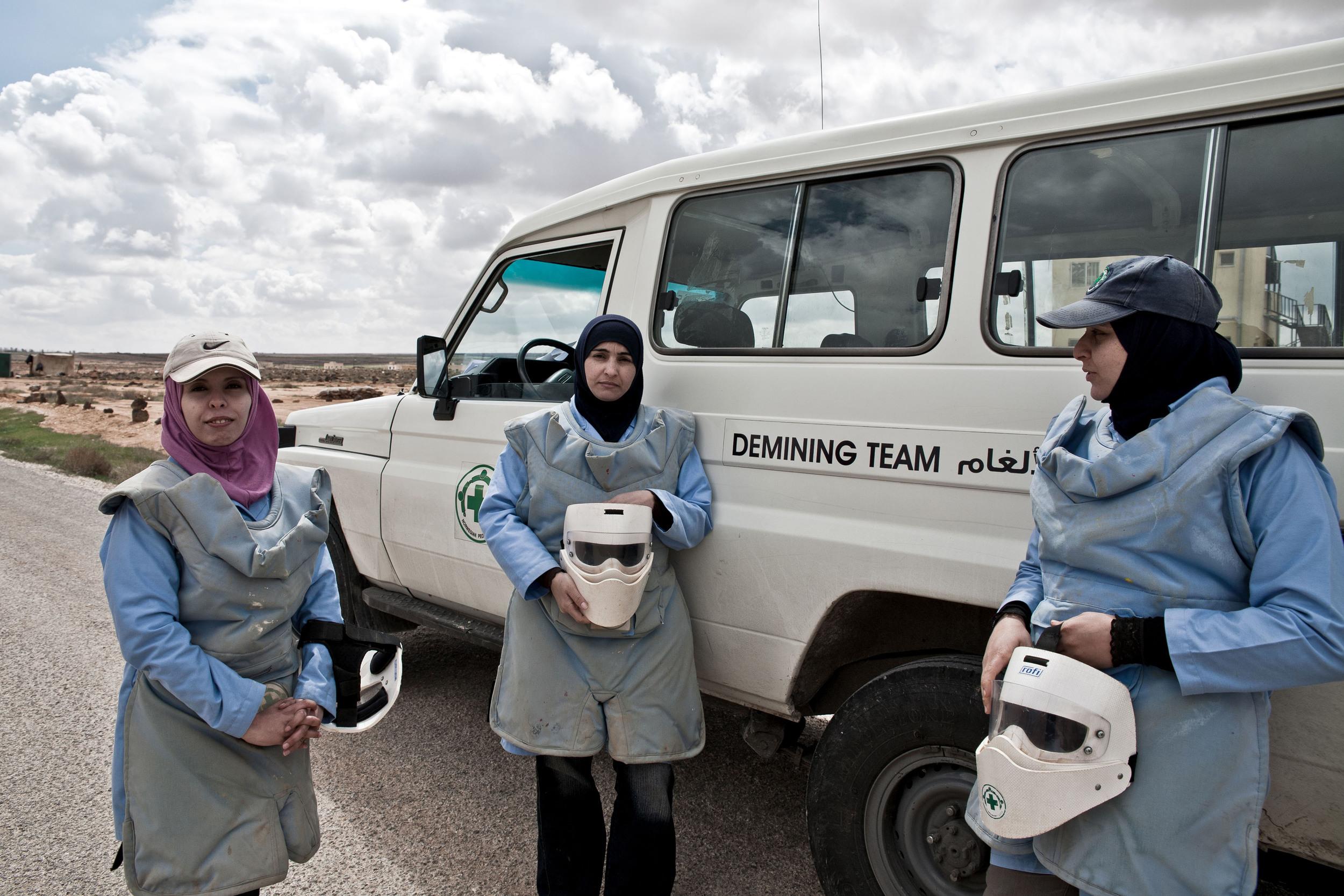 Jordan - The Female Demining Team 28.jpg