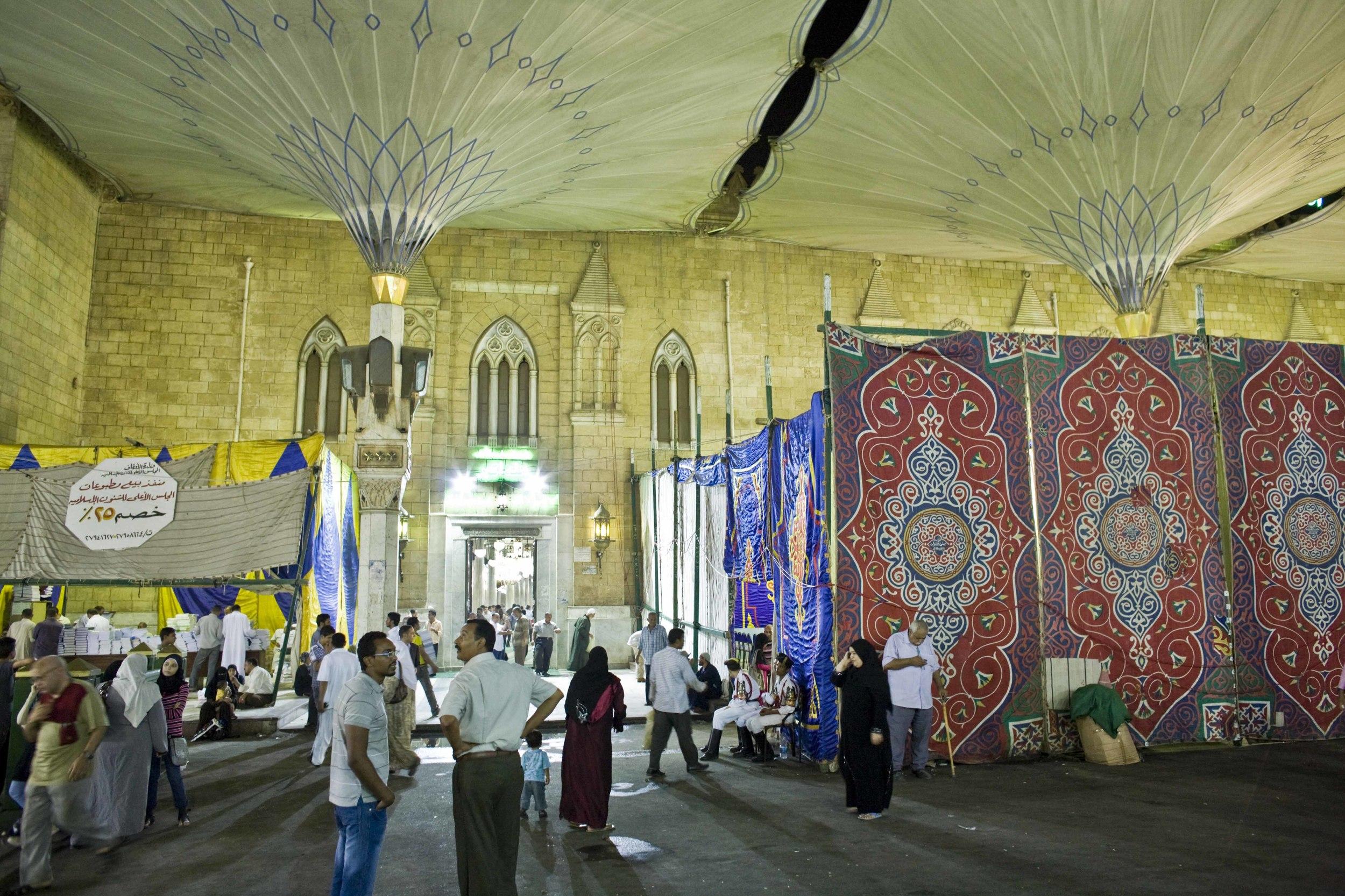 Il Cairo - Festival Canto del Corano (01) Moschea Sayyidna al-Hussein.jpg