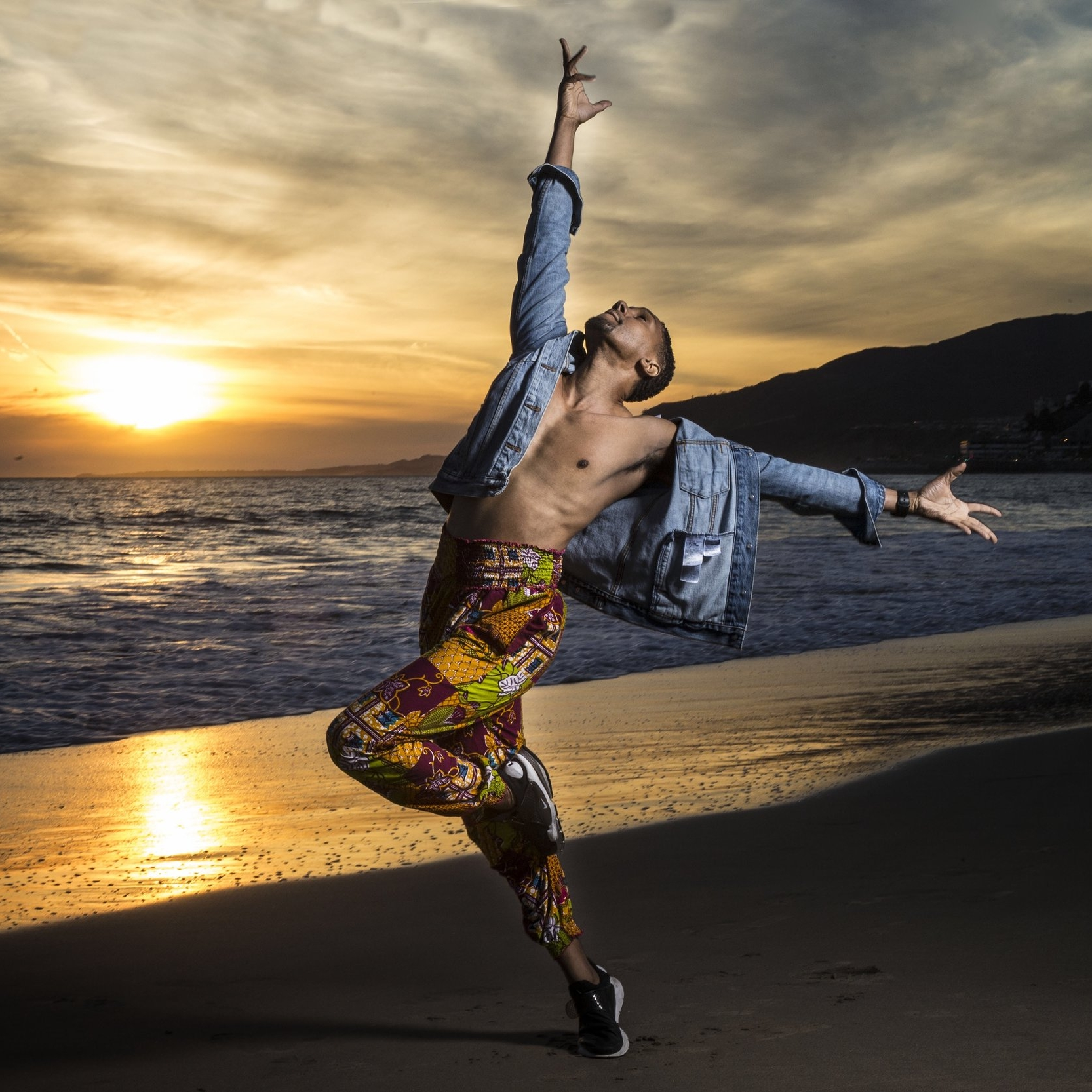 Juel D Lane    Ep. #112    Anxiety . Finding your  artistic voice .  Stripping labels  and connecting with humanity. Juel shares his story and how working with  Alvin Ailey II  and  Atlana Ballet  have enriched his artistry and teaching.