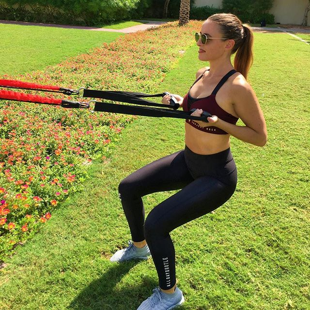 Suns out Guns Out 💪🏻☀️ . . . Our coach @stephanie_ko8 staying in shape in the beautiful outdoors with her @ko8_fitness strapped around a tree. Who needs a gym on a day like this? ☀️ 🌳 . . . #WeTrainWhereWeWant 🌍 WWW.KO8.FITNESS @ko8_fitness . . . #KO8 #KO8academy #fitmom #outdoorworkout #outdoorwomen #outdoorfitness #functionaltraining #squats #squat #instafitness #dubaipersonaltrainer #resistancebandsworkout #resistancebands #suspensiontraining #tekkers #fitgirl #fitchick #fitnessmotivation #gains #sunshine #healthylife #healthylifestyle #fitspiration #fitfam #fitnessindxb #dubaifitfam #dxbfitness #mydubai