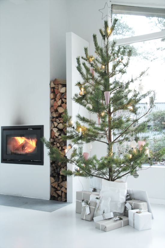 Nordic Christmas Tree/Sparse Tree - Scout Modern