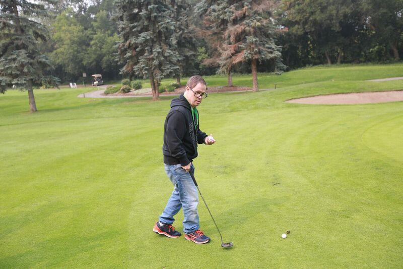 joey golf.png