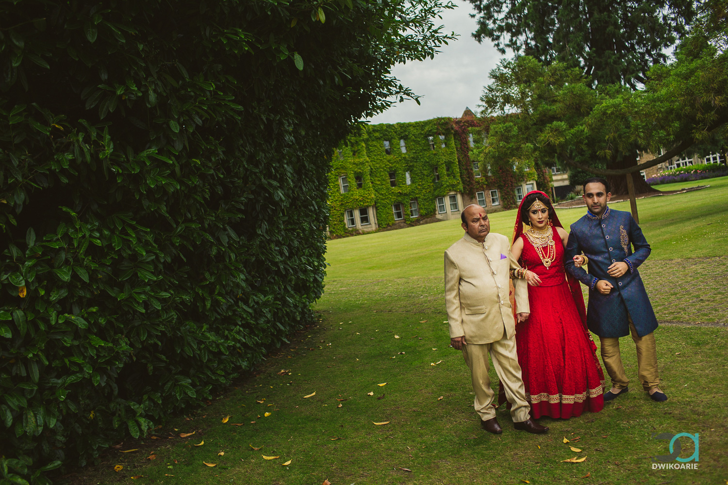 0025-Oakley-Court-Hotel,-Windsor-Wedding-Photography---IMG_8070.jpg