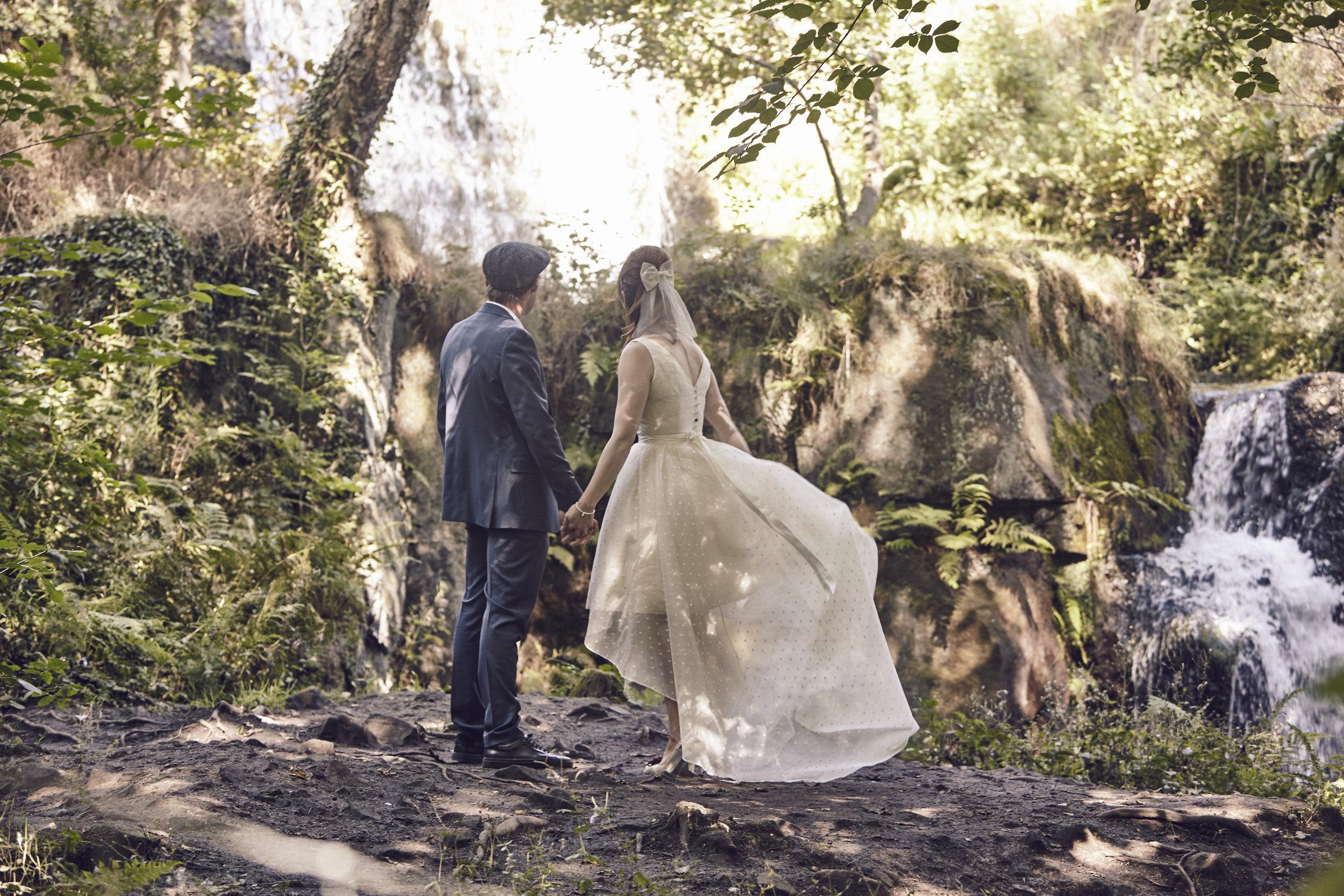 Suzi-Matlock-Polka-Dot-Bespoke-Wedding-Dress-High-Low-Susanna-Greening-Designs-Derbyshire-11
