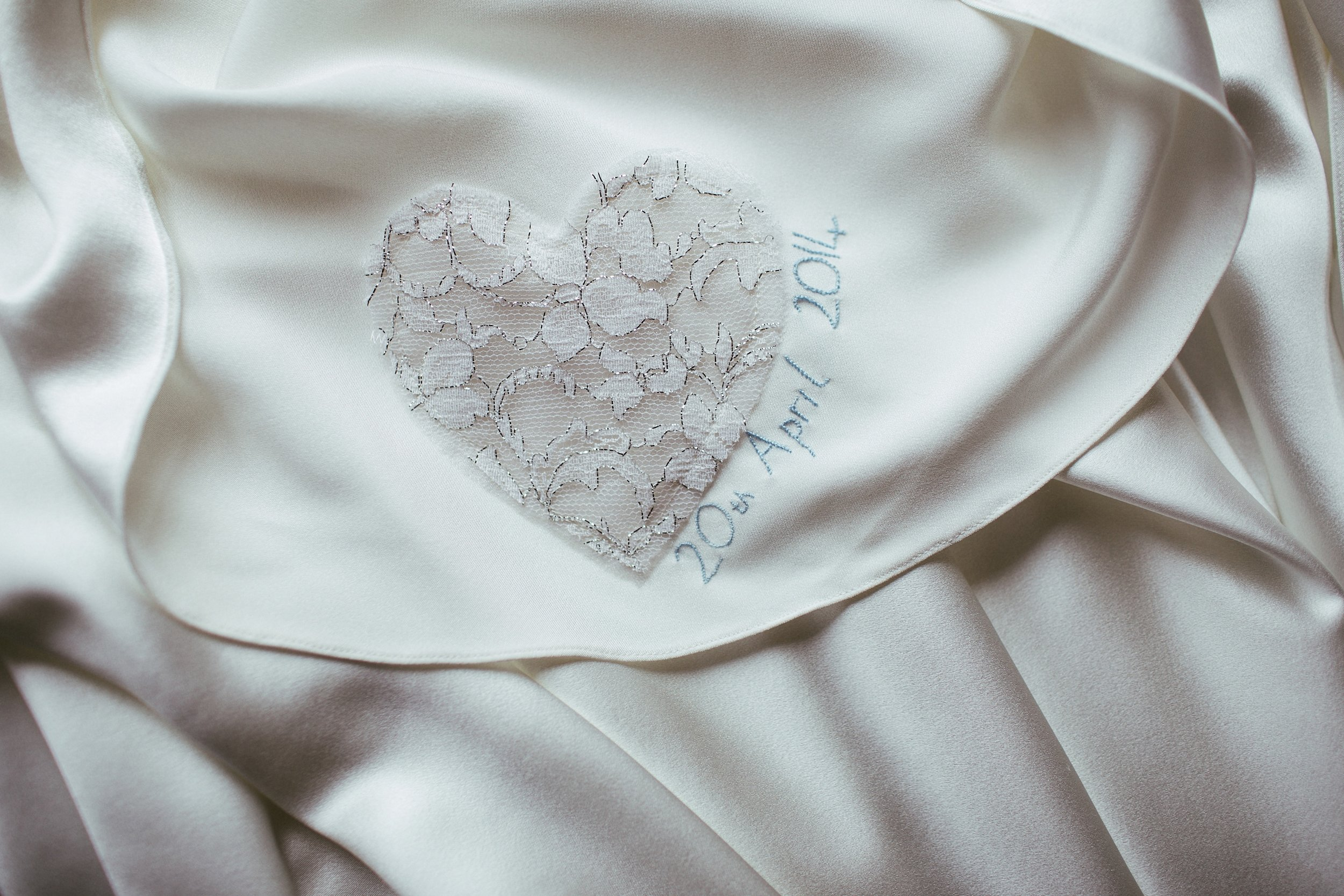 Samantha-Yorkshire-Sheffield-Bespoke-Vintage-Lace-Tulle-Bride-Wedding-Dress-Susanna-Greening-Derbyshire-13