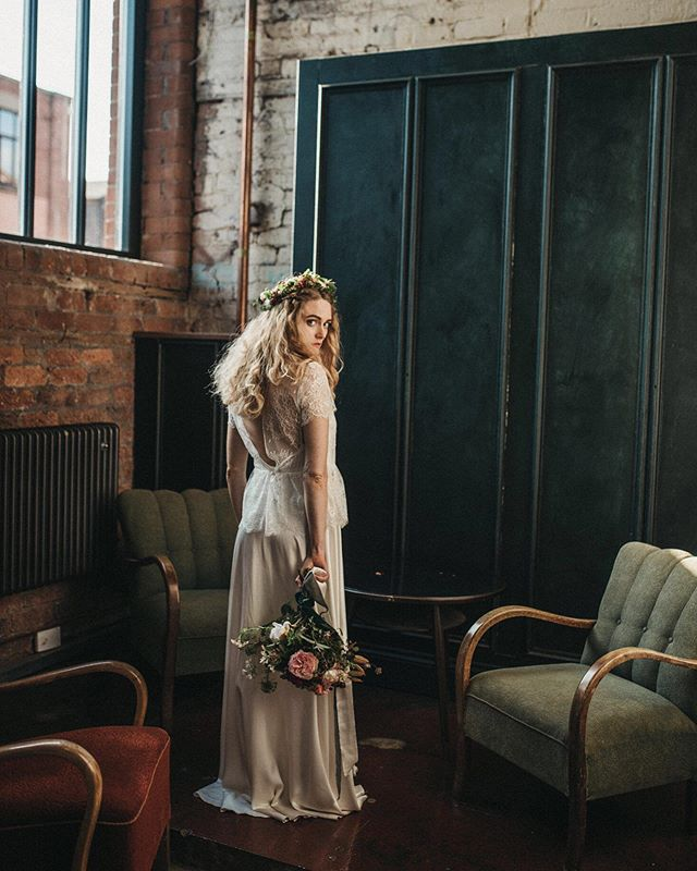 This incredible autumnal shoot has been featured on @lovemydress Full of all the colours of Autumn it's a real feast for the eyes. It features some of my gorgeous made to measure collection pieces and the most talented team of suppliers who are always a dream to work with 🧡  Flowers and coordination @francesandrose Dresses @susannagreeningdesigns Photography @mariola.zoladz Hair and Makeup @natashalyons @jennedwardsnco Model @femsorcell Stationary @rosepress Venue @themowbray