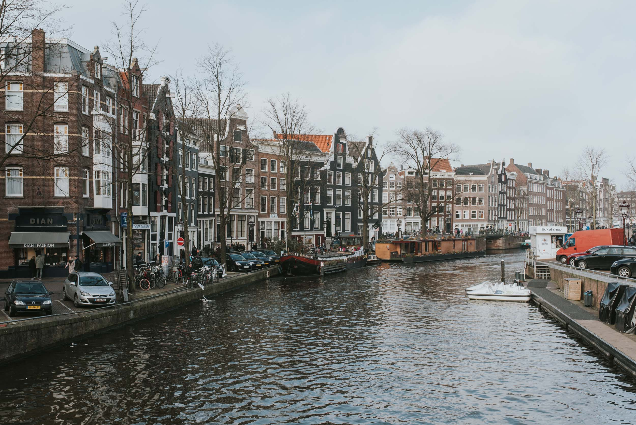 Amsterdam-travel-guide