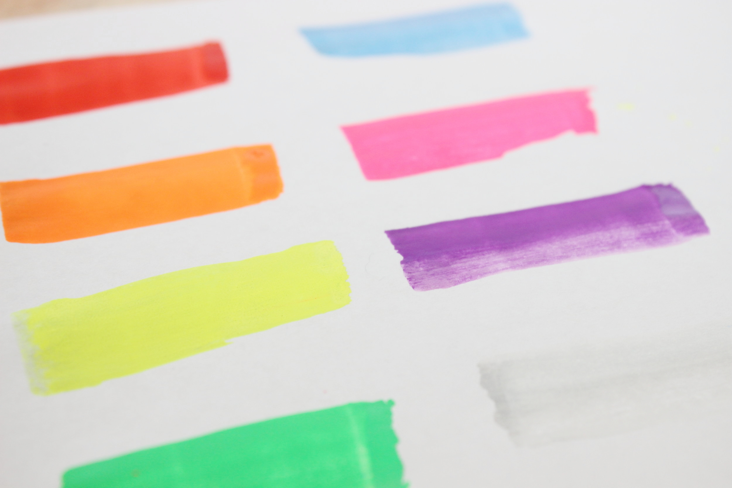 These are the 8 colors you get with The Chalkola Platinum Series with the 15MM jumbo 3-in-1 tip.