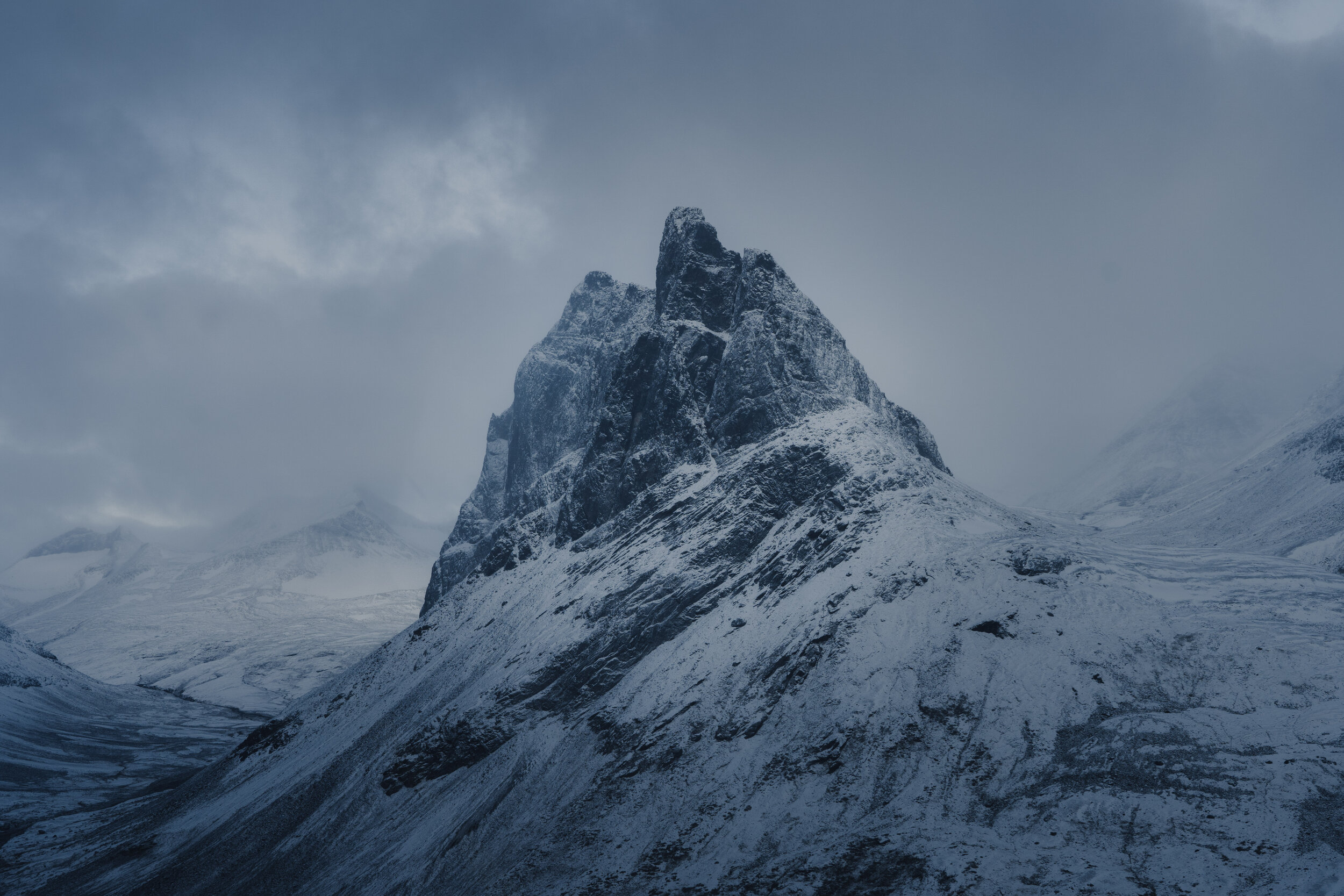 The Nallo Mountain with its sharp appearance - has given it its Sami name, which in English translates to   The Needle