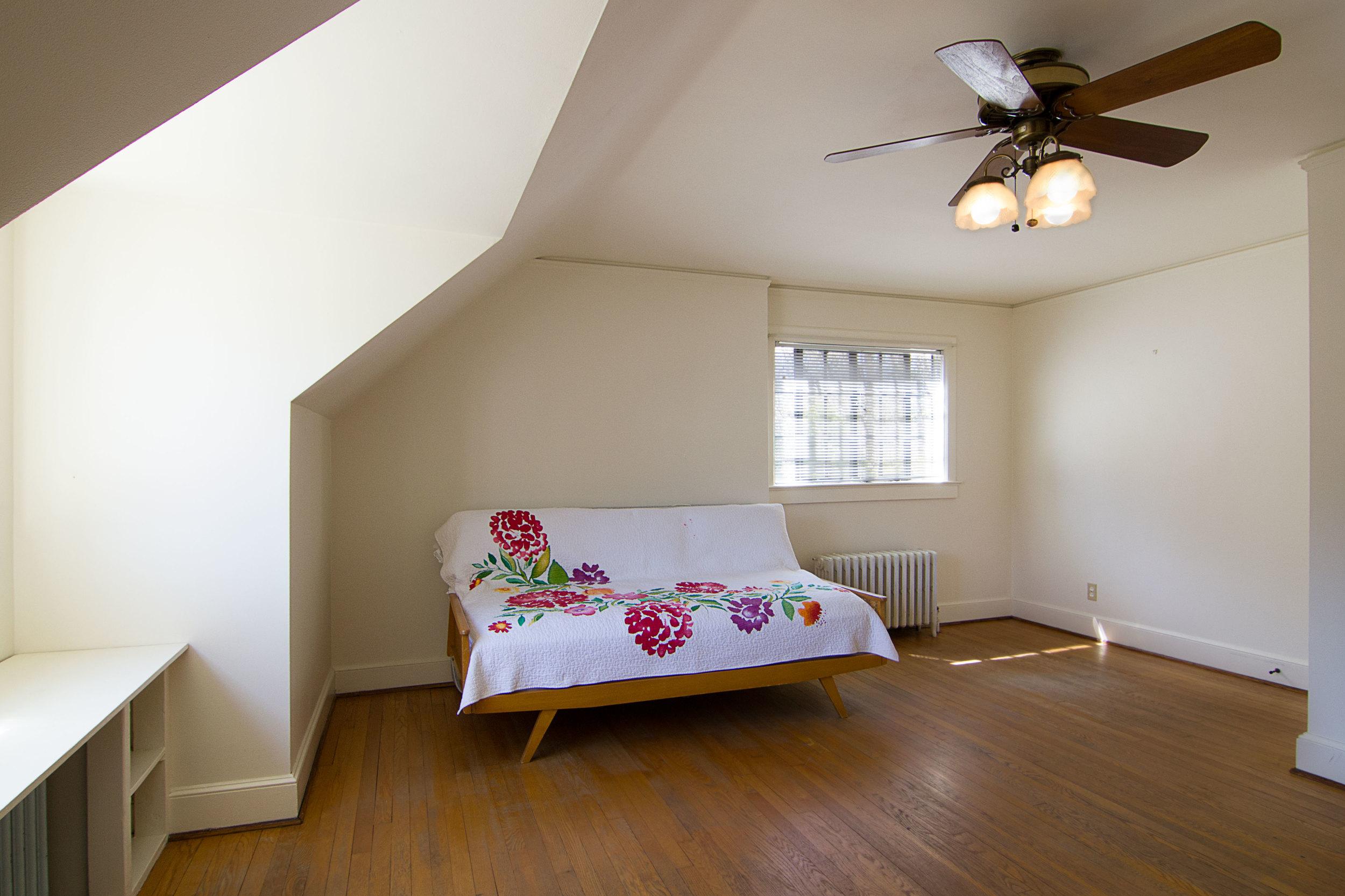 4_Master-Bedroom_1.jpg