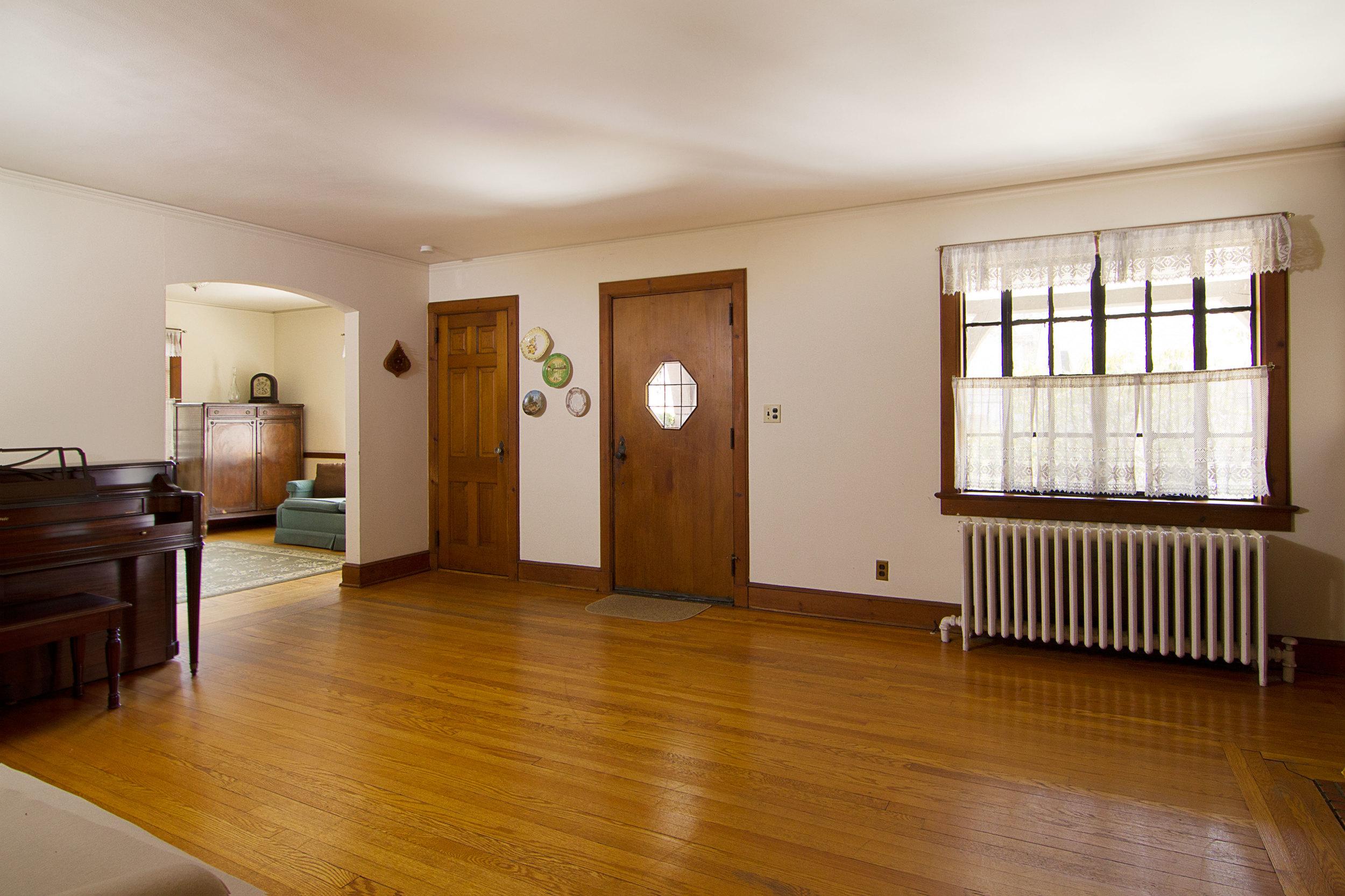 3_Living-Room-2.jpg