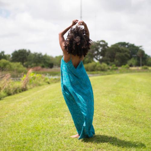 Shelah marie curvy curly conscious mother momblogger momlife blogger