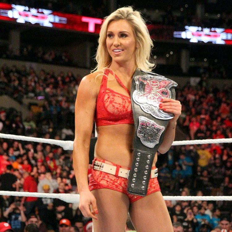 SMACKDOWN WOMEN'S CHAMPION