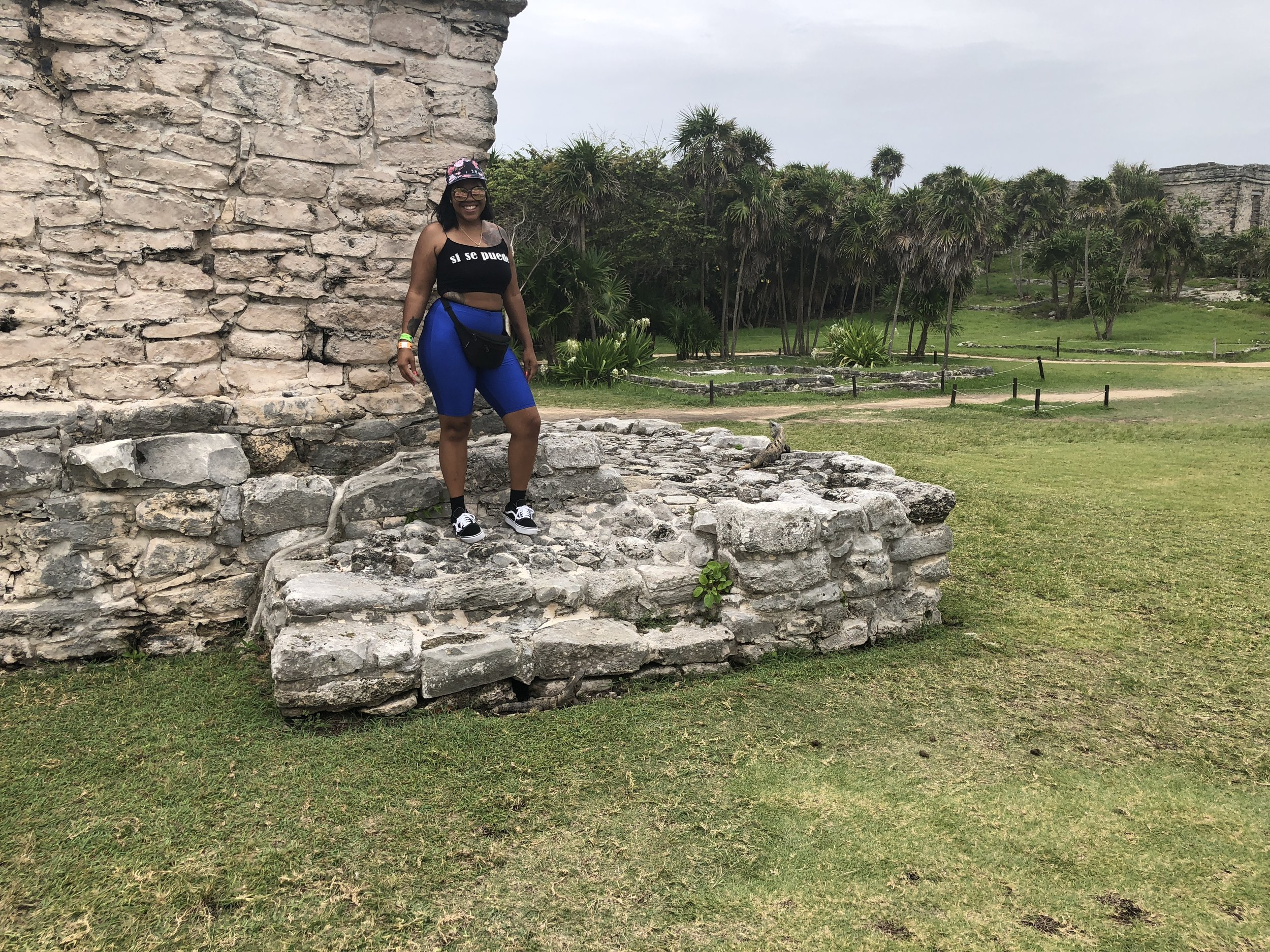 the mayan ruins again but i looked cute lol