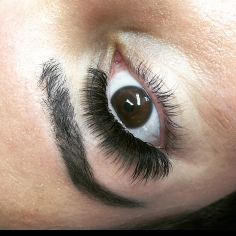 just some dreamy mega volume lashes.. 😍