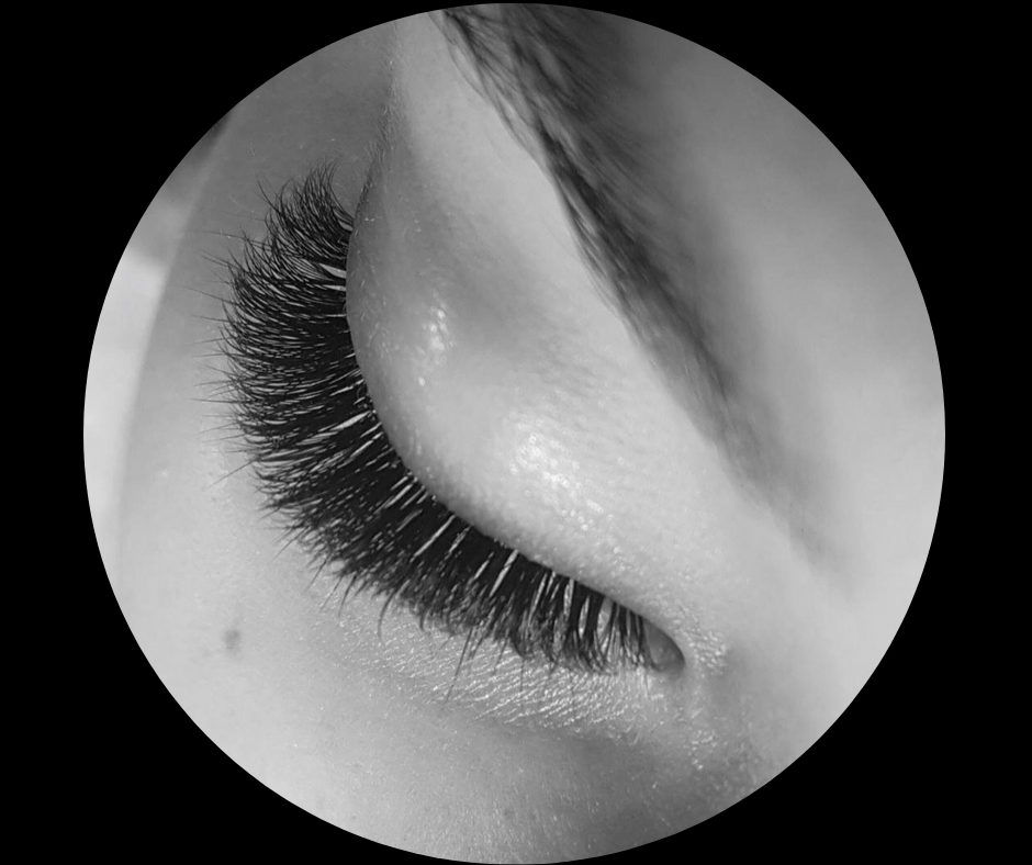 LASHES THAT FIT YOUR [life style]. - Whether you're after a more natural look, or want to bring on the DRAMA, let our lash pro know what style is perfect for you!