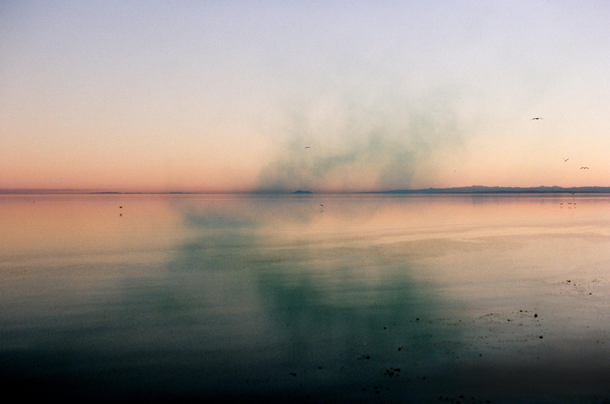 lou-mora-smoke-bomb-003.jpg