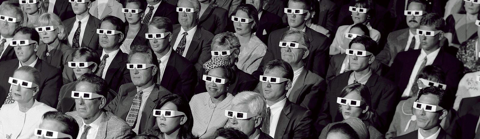 audience-with-3d-glasses-3.jpg