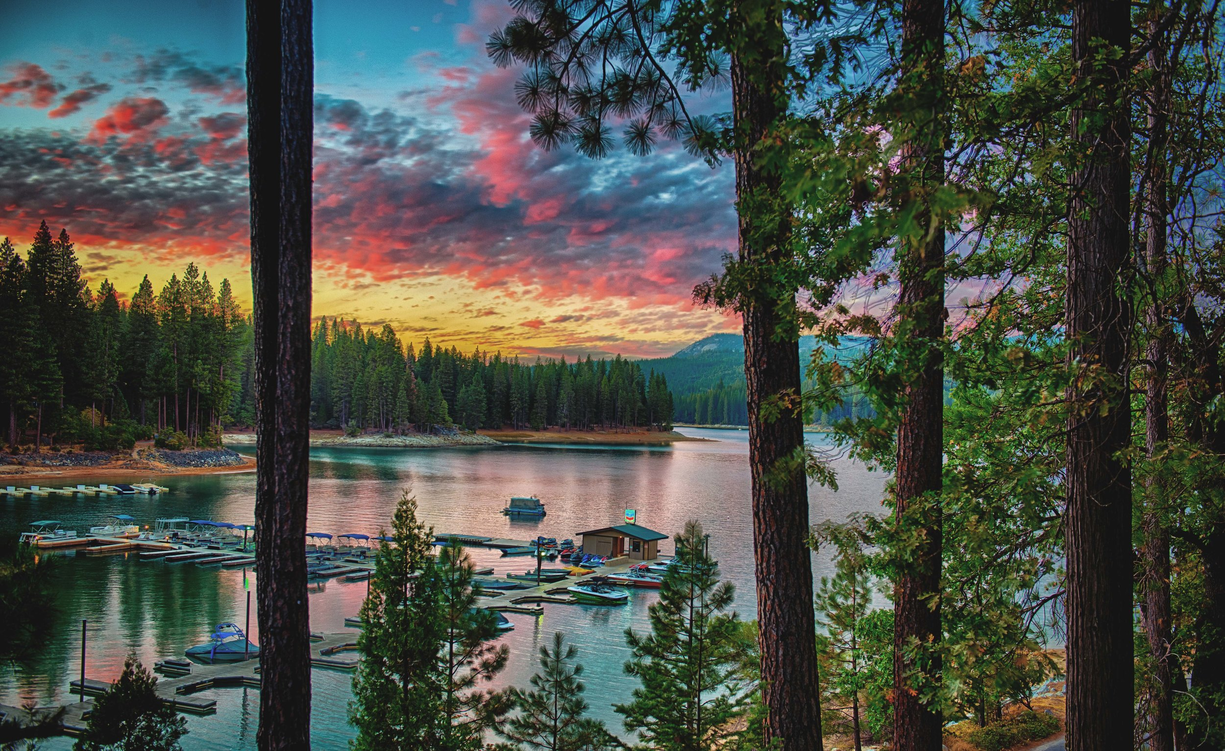 Millers Landing Resort Bass Lake CA.jpg
