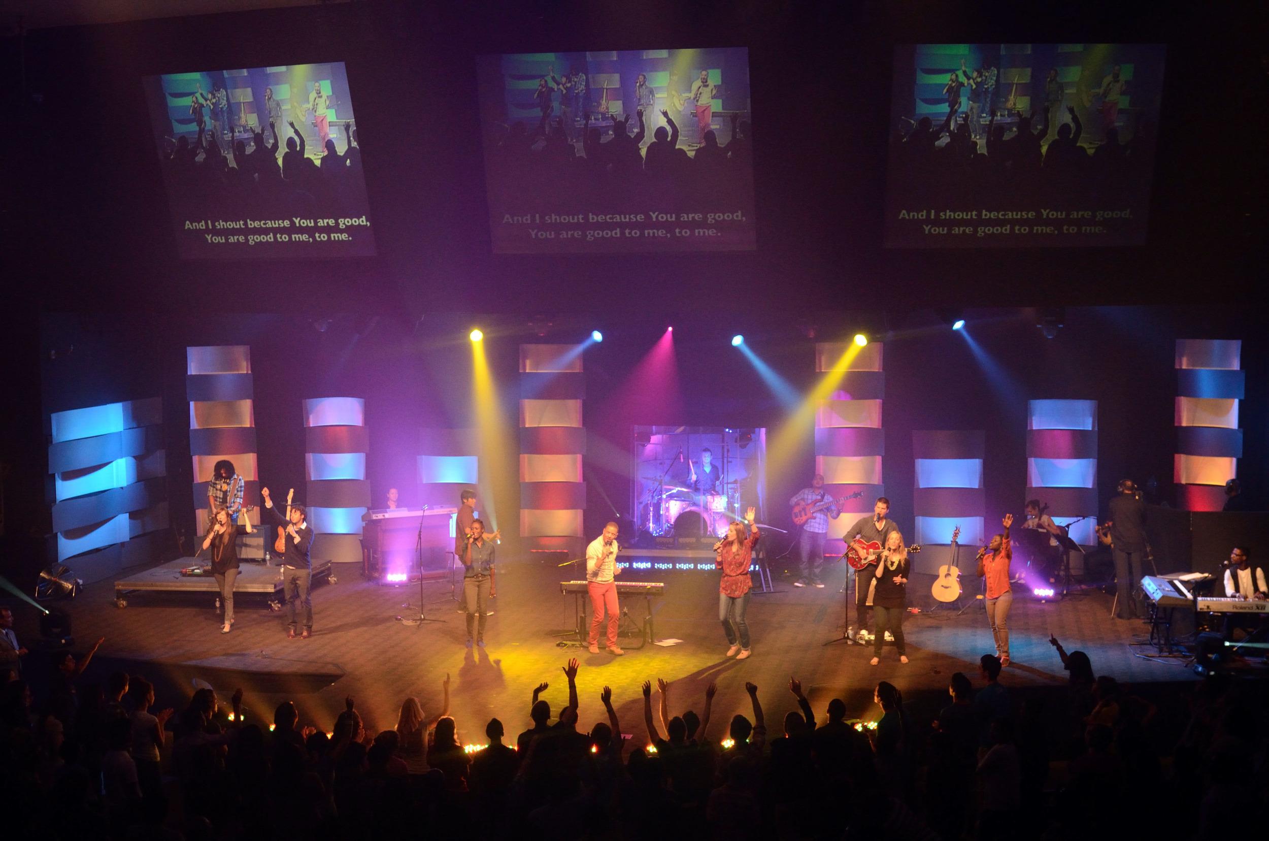 COR_Gaithersburg_Campus_Worship_Center_01.jpg