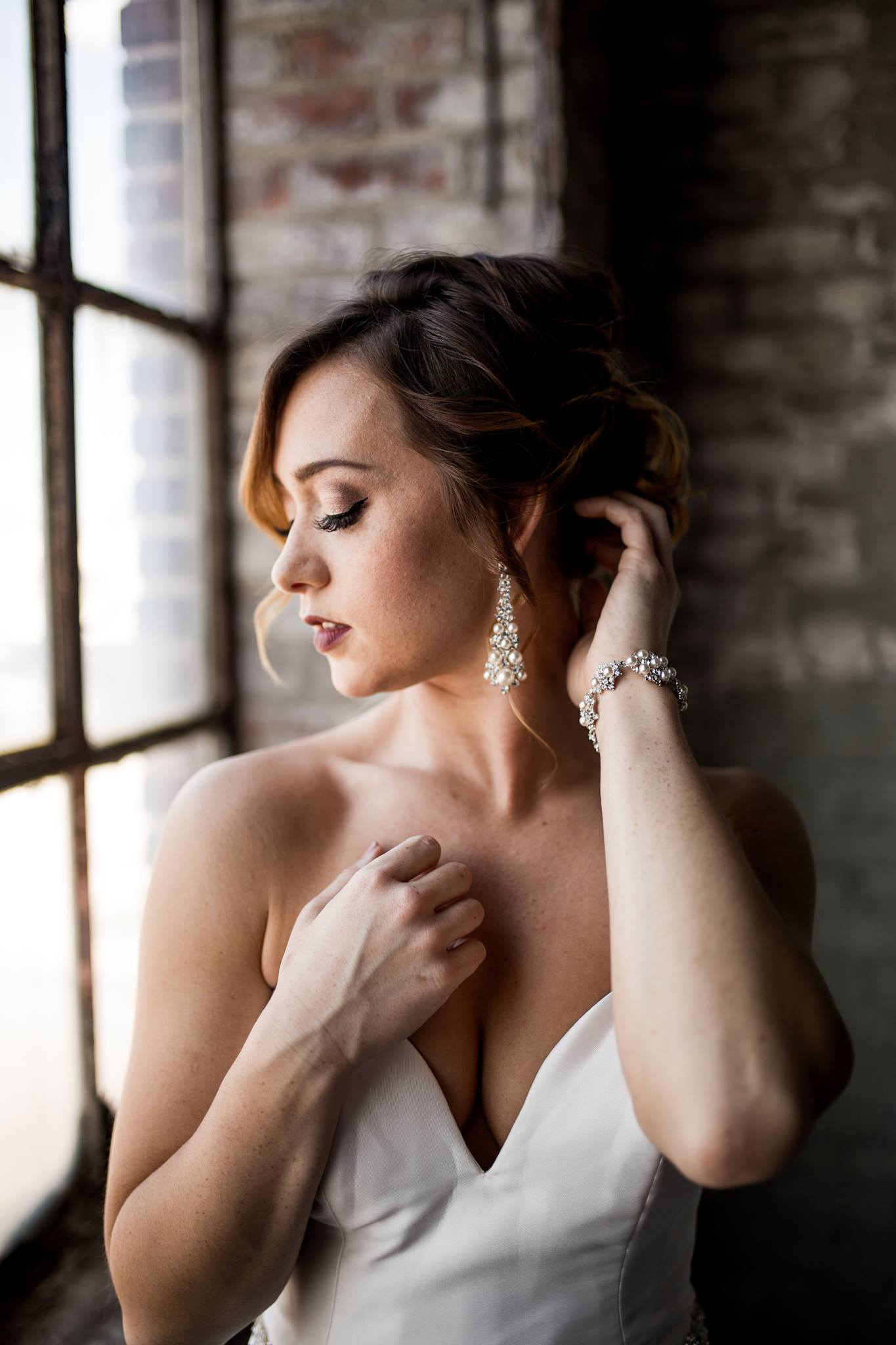 TOLEDO MAKEUP ARTIST. Bridal Makeup in Ohio. Styled shoot with Captured by Hannah Photography, Hafner Florist, Event Prep. Airbrush Makeup Toledo, OH. April 2017.6.jpg
