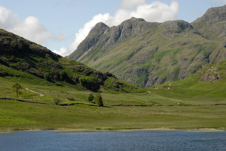 lakes_mountainlake.jpg