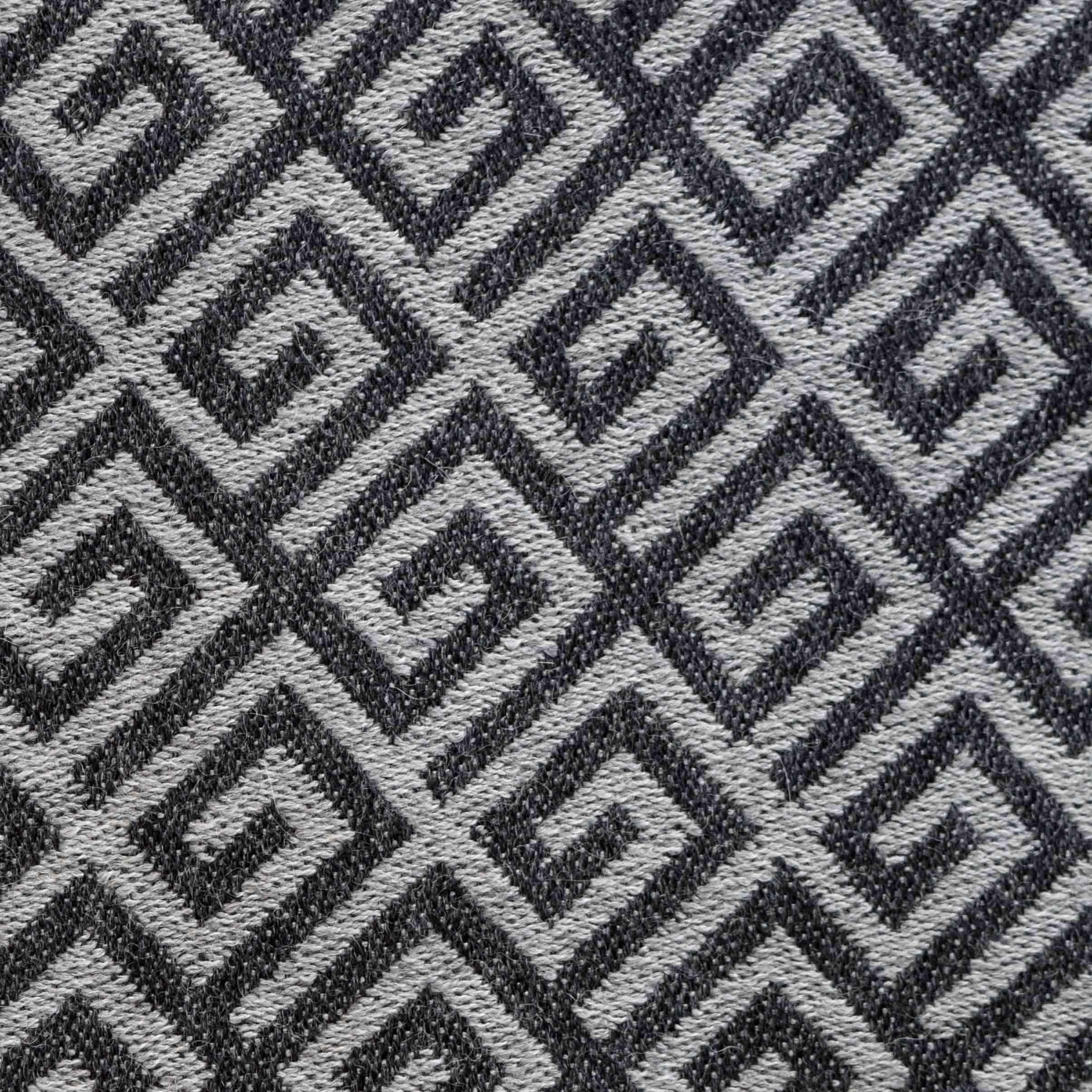 Gray Maze