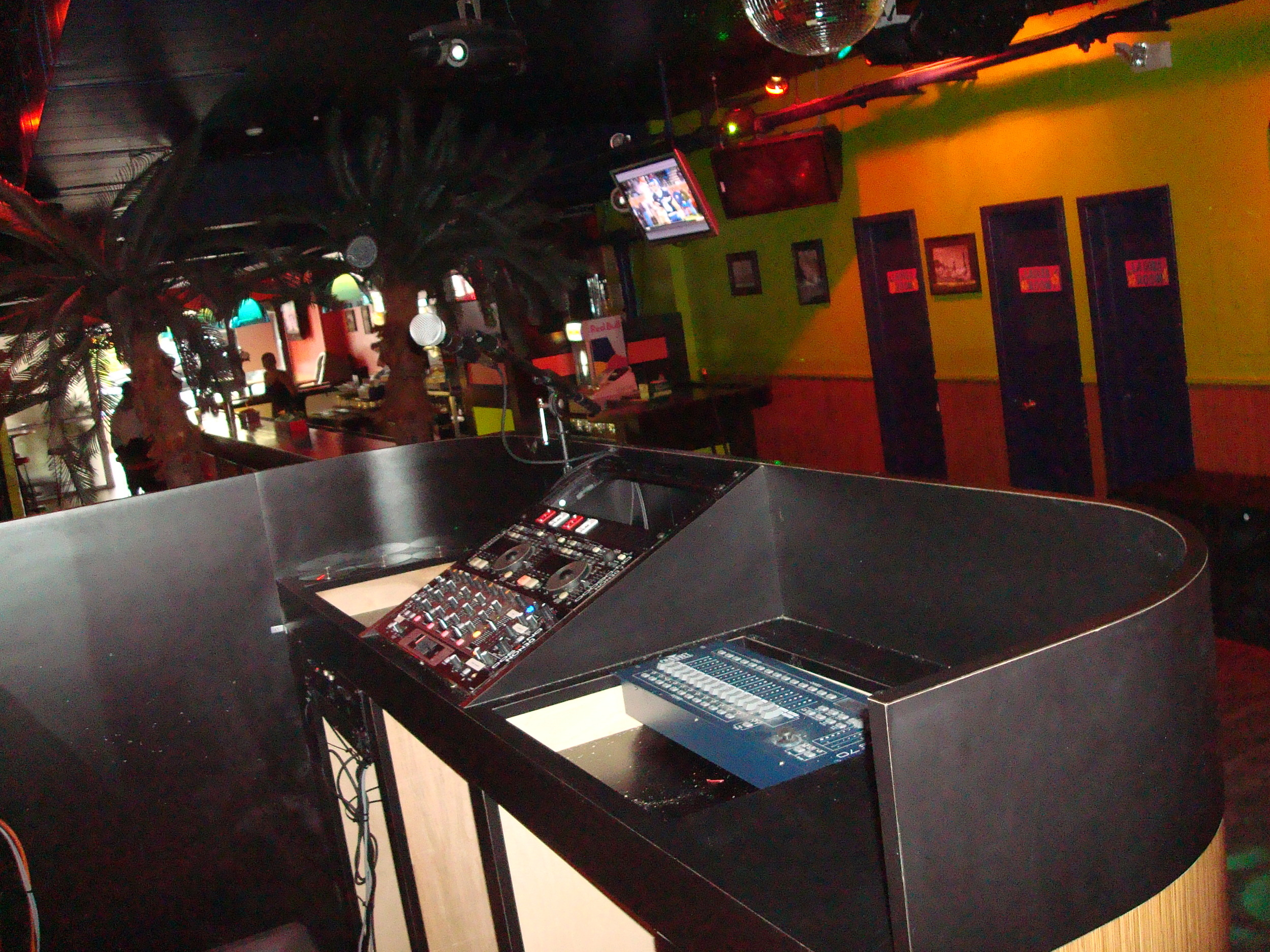 Bahamma Mamma's  Hoboken Custom DJ Booth 3.JPG