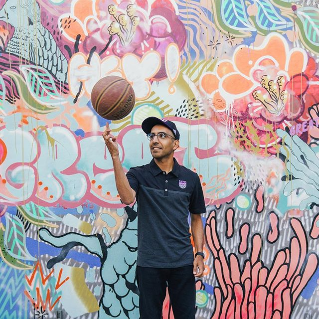 It's pretty damn amazing to have creative friends who inspire you in many different ways. My friend Matt here is a multi-disciplinary artist (art, design, photography and music) and a wonderful human being. These are few photos from my shoot with the @sacramentokings a little bit ago.  ______ #vsco #vscocam #sacramento #graffiti #art #artist #basketball #bball #bboy