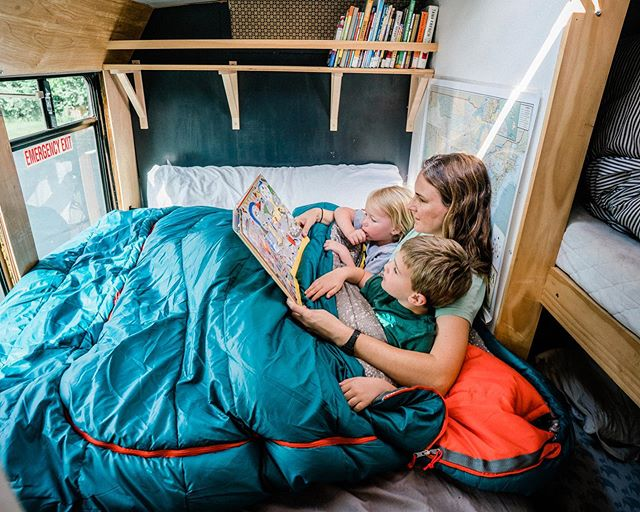 Mornings in the bus—this is my favorite part of living on the road. (#ad) We wake up together, some adventure or other always on the docket for the day. We get ready slowly, read books, listen to music, go for a little walk in whatever spot we landed in the night before. Space is tight, but in these moments that's how we prefer it, all bundled together, three to a sleeping bag 😊. @keltybuilt #keltybuilt #builtforplay