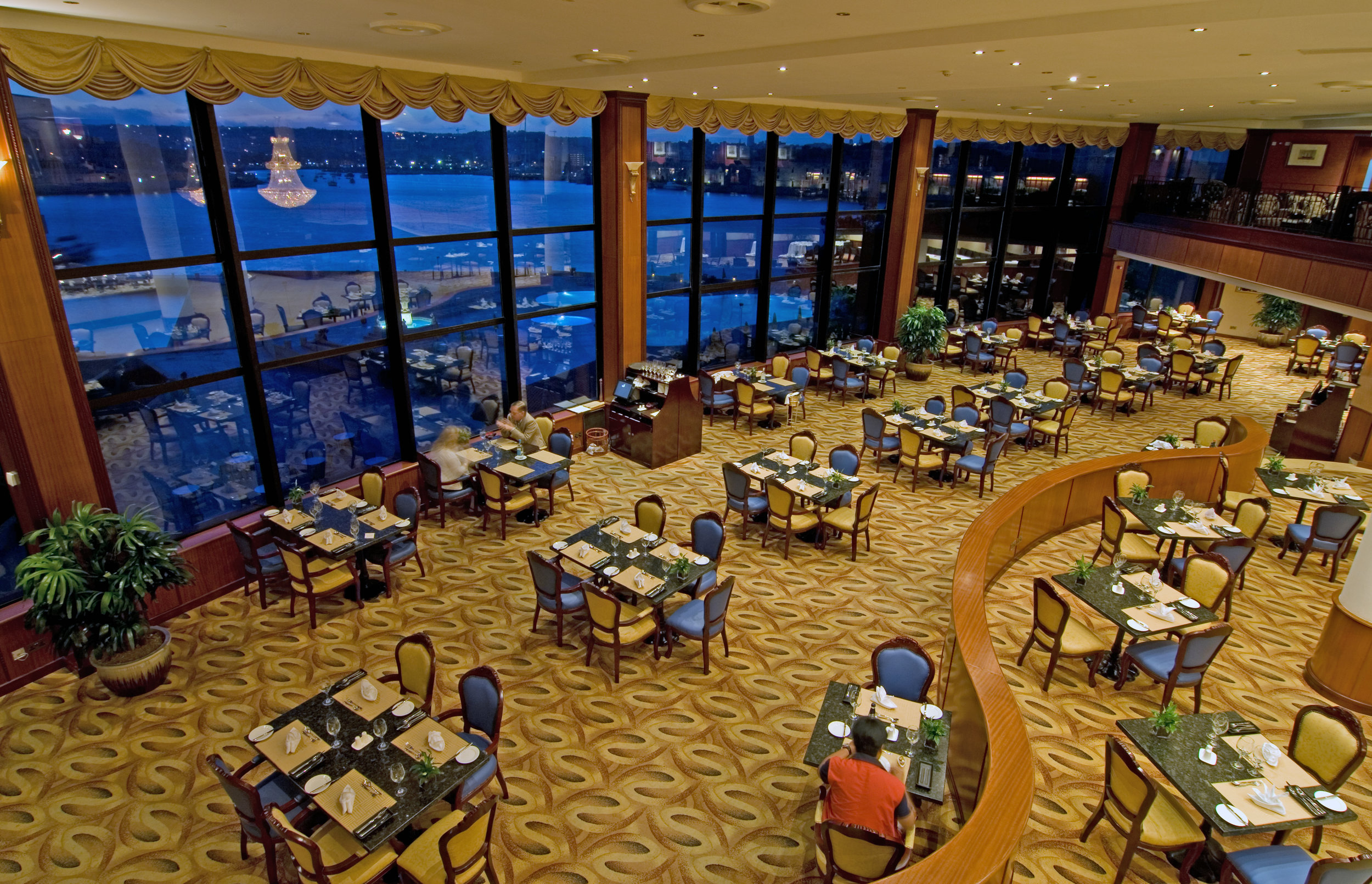 Grand Hotel Excelsior Restaurant.jpg