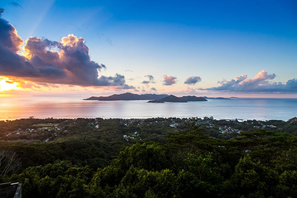 PraslinfromLaDigue_Seychelles_101.jpg