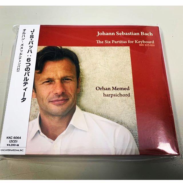 親愛なる日本の皆様&音楽愛好家の方々へ  この度、私のチェンバロの演奏によるバッハ:パルテイータ(2枚組)CDの国内版が発売されることになりました。 もし、まだこの名曲をご存知なければ、バッハが鍵盤楽器の為に作曲した素晴らしい名曲を発見することでしょう! キングインタナショナルより絶賛発売中です! オルハン メメッド https://www.kinginternational.co.jp/ganre/kkc-6064-5/  Dear Friends and Music Lovers... I'm thrilled to announce the Japanese release of my double CD of JS Bach's Partitas on harpsichord. I hope you'll enjoy listening to them! If you don't know these pieces, you'll discover some of the most delightful music Bach wrote for keyboard. To purchase, simply go to the King Records website.  #バッハ #パルテイータ#国内盤 #国内盤ジャケ #チェンバロ #名曲 #ハープシコード