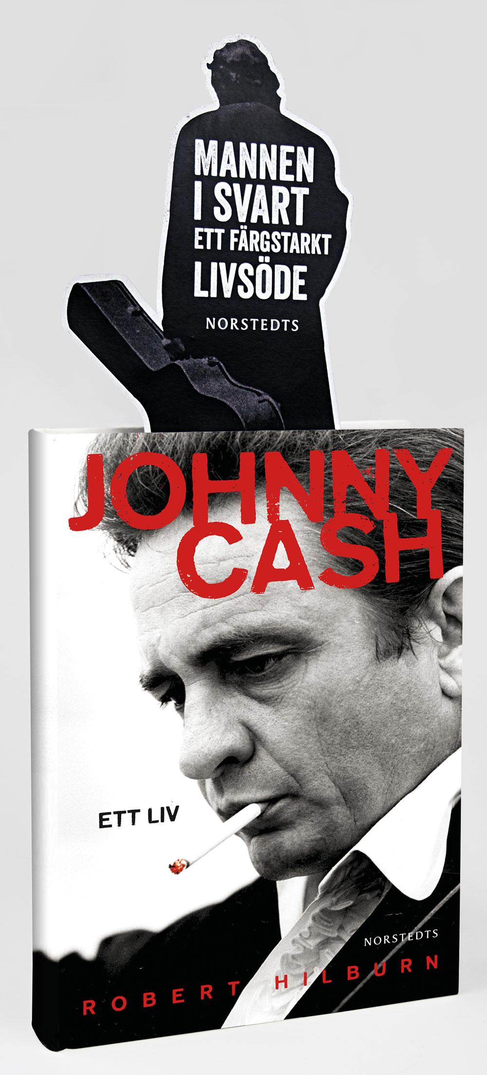 Amerikanen Robert Hilburn har skrivit en hyllad biografi om Johnny Cash, som ges ut på svenska av Norstedts. Nkel stod för idé och produktion av butiksmaterial, bland annat insticksskylten..