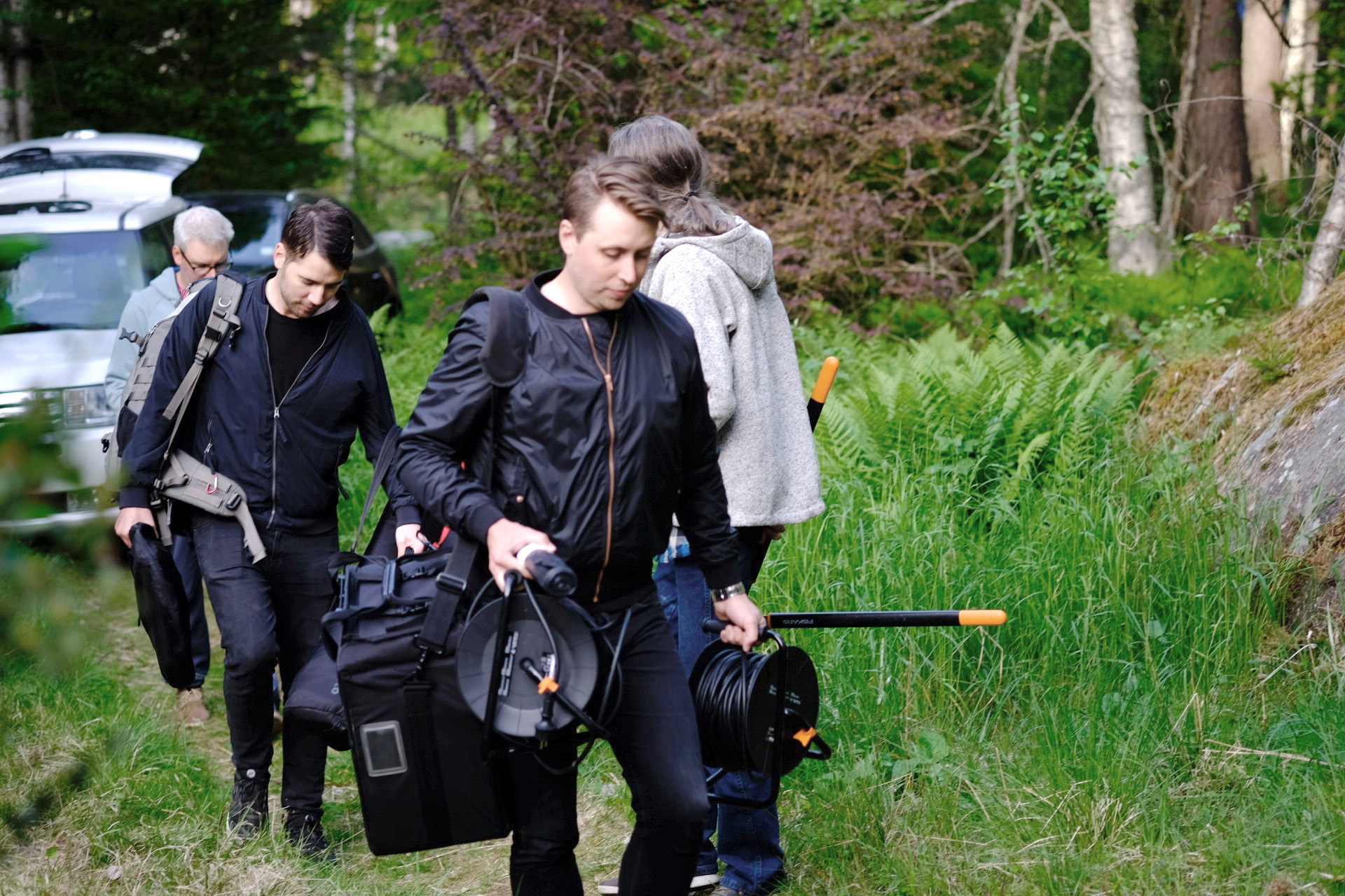 Jonas och gänget från Björnhult Media anländer till Ingarö