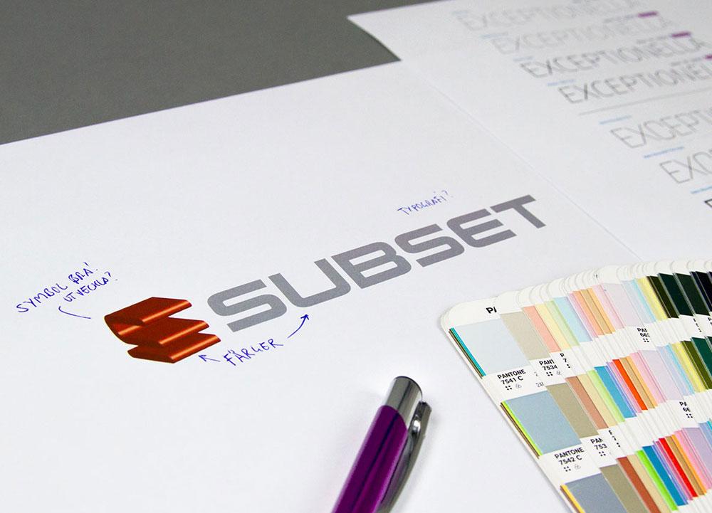 När vi utvärderade Subsets grafiska profil beslöt vi oss för att jobba vidareutveckla deras symbol, men byta färger och formspråk
