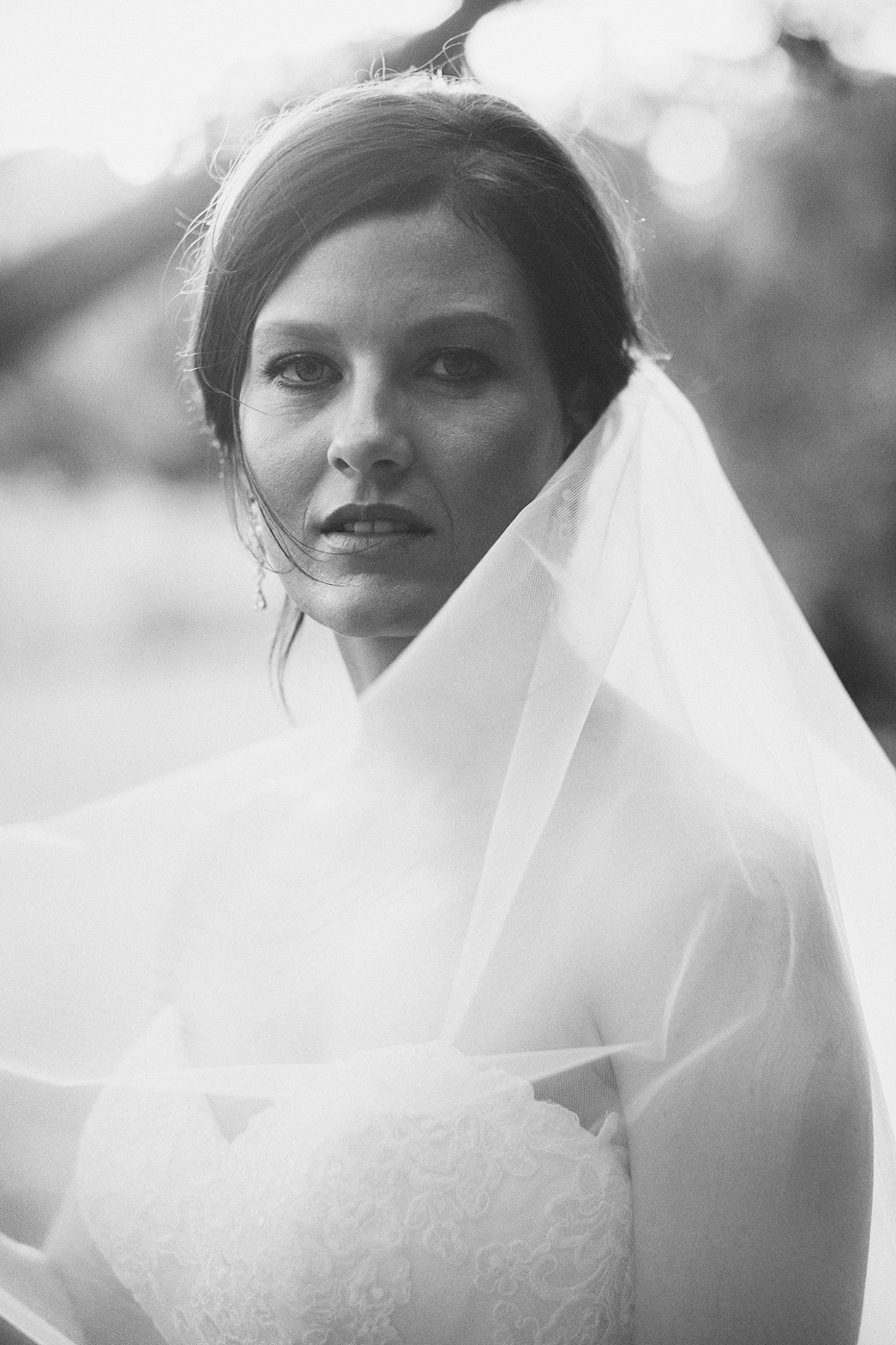 Black and white stunning bride.jpg