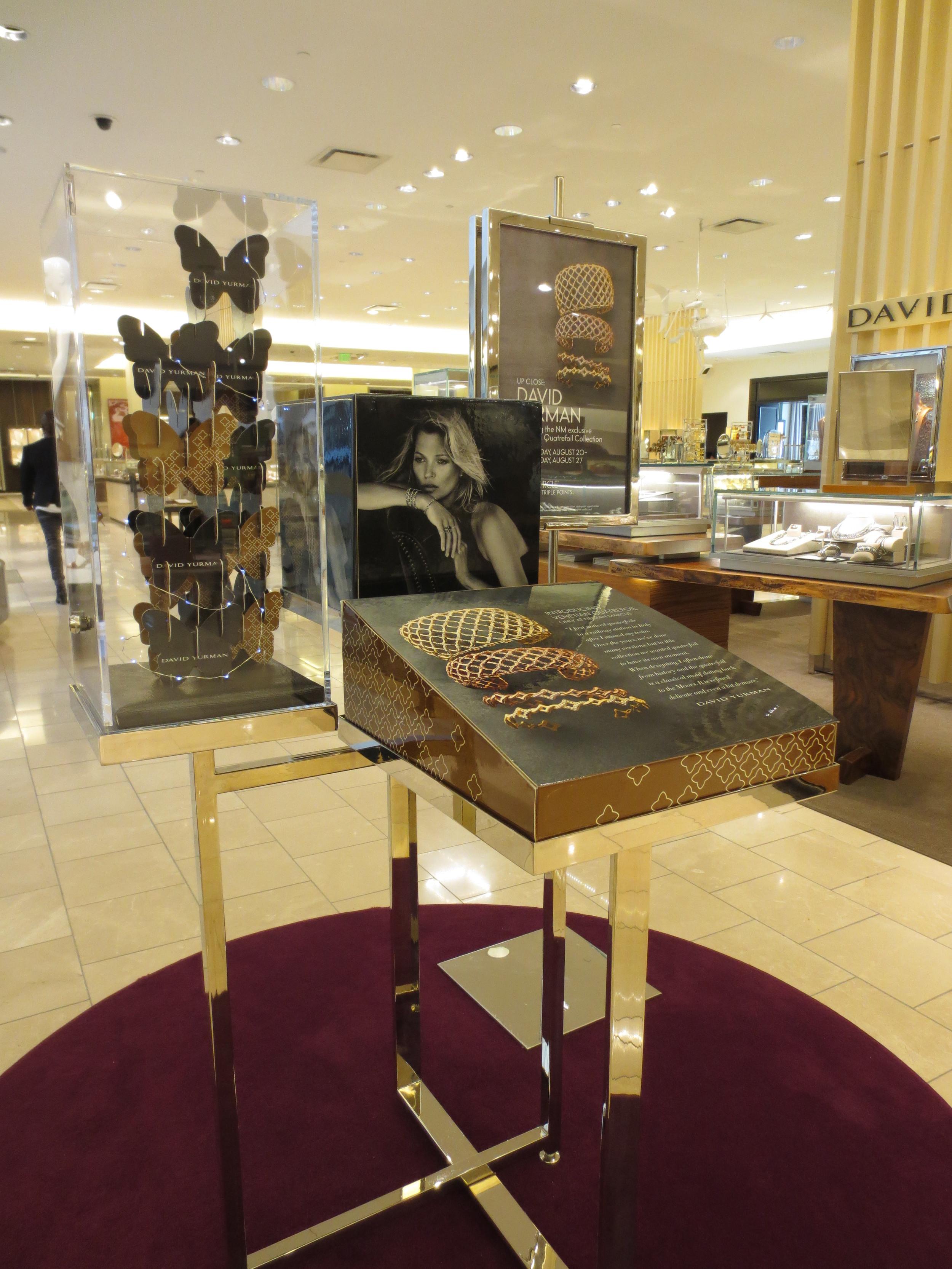 custom vitrine retail display