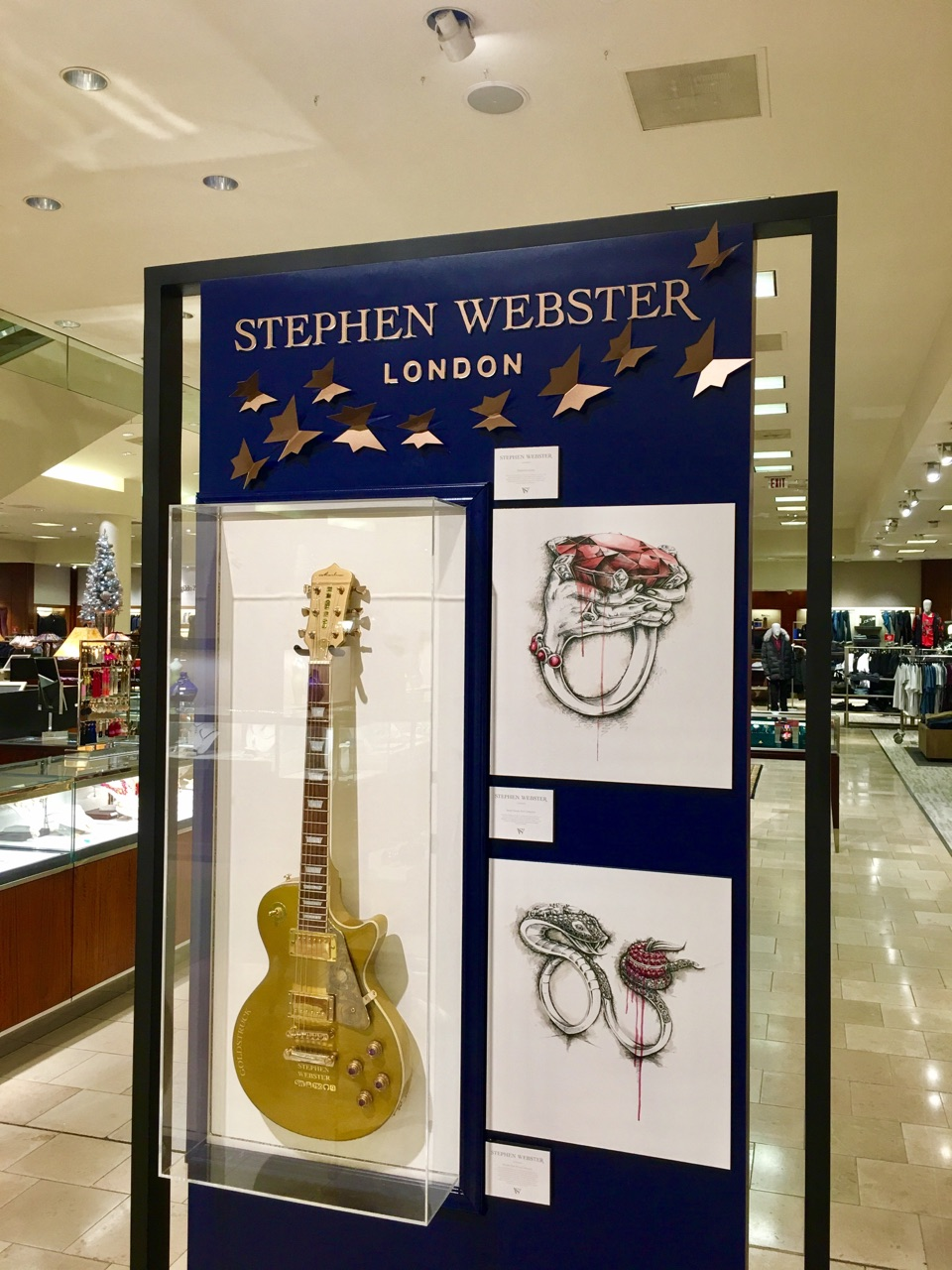 Stephen Webster traveling PA display wall fabricated by JGX.jpg