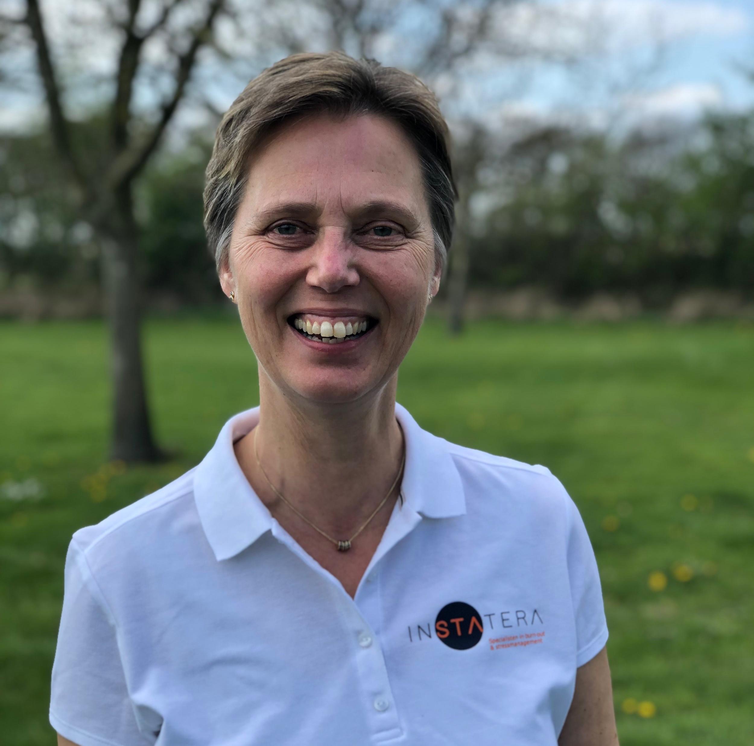 Laura van den Boogaard - Burn-out & stress specialist Instatera