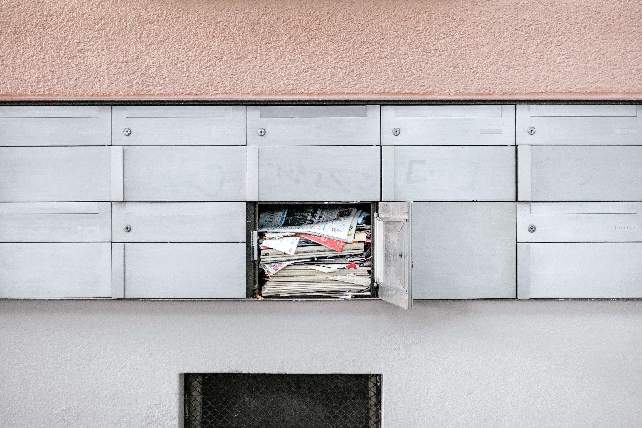 Overvolle mailbox - vakantie stress