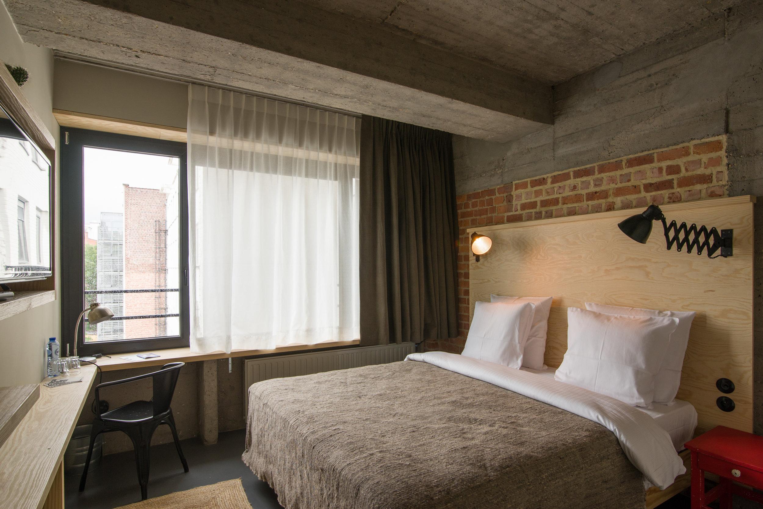 jam-hotel-brussels-rooms-extra-room-02.jpg