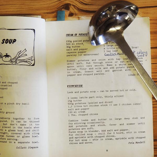 CREAMY POTATO AND ONION SOUP (4).png