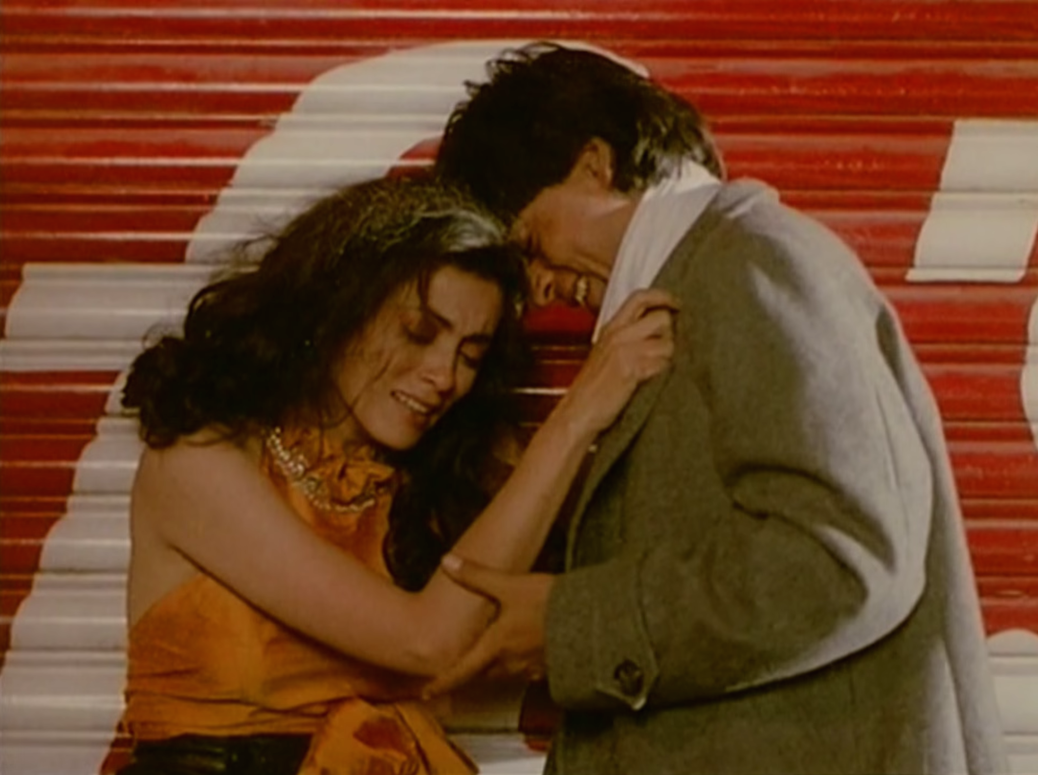 Deepa Sahi and SRK giggling after he tried to force himself on her in Maya (1993)