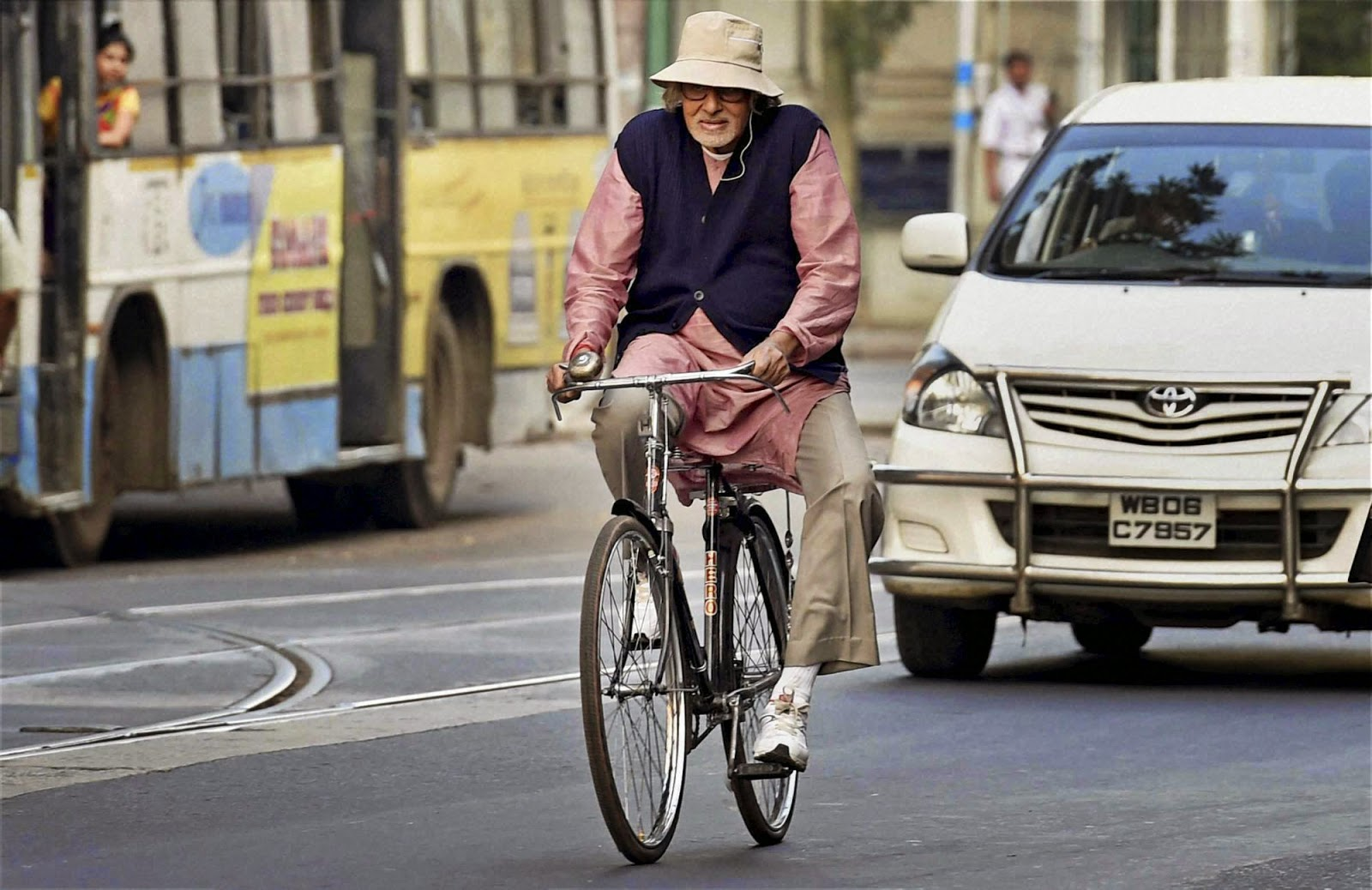 Amitabh goes for a cycle, while everyone worries about where he is.
