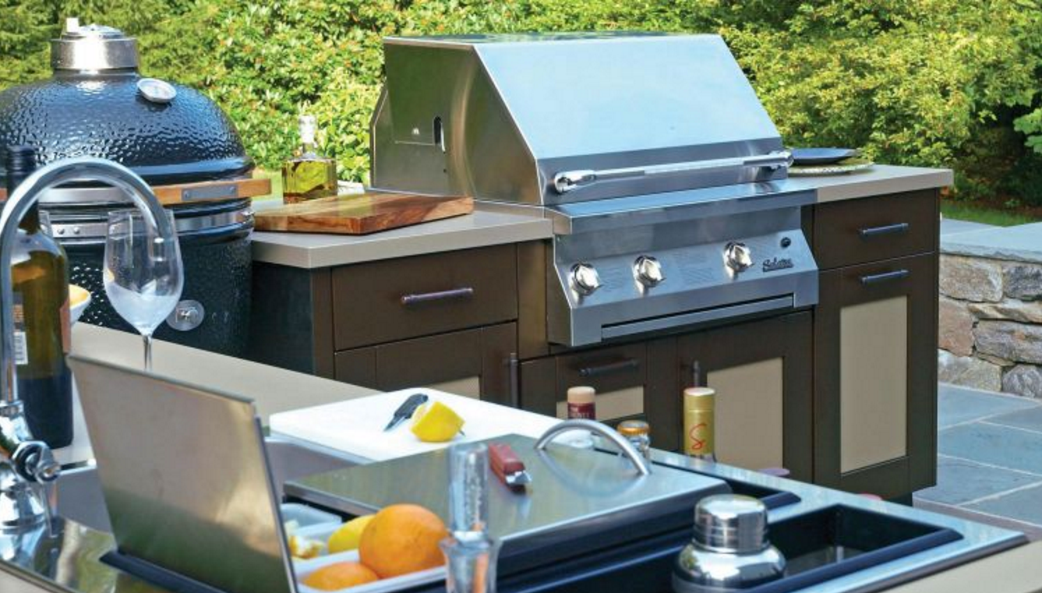 Picking Out The Best Hardware For Your Outdoor Kitchen The Platinum Group