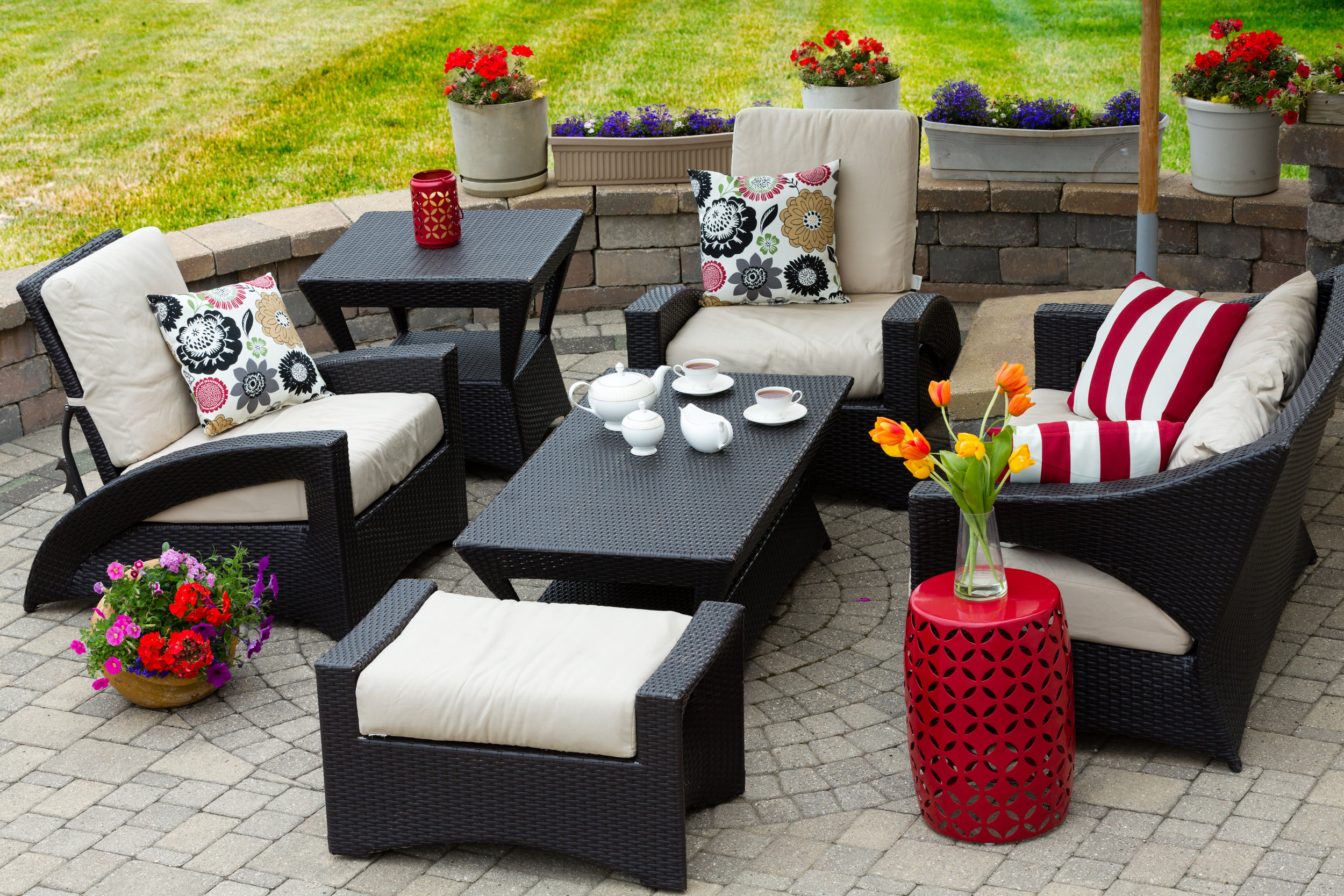 Top 6 Landscaping Ideas for Farmhouse Style Homes on Long Island, NY