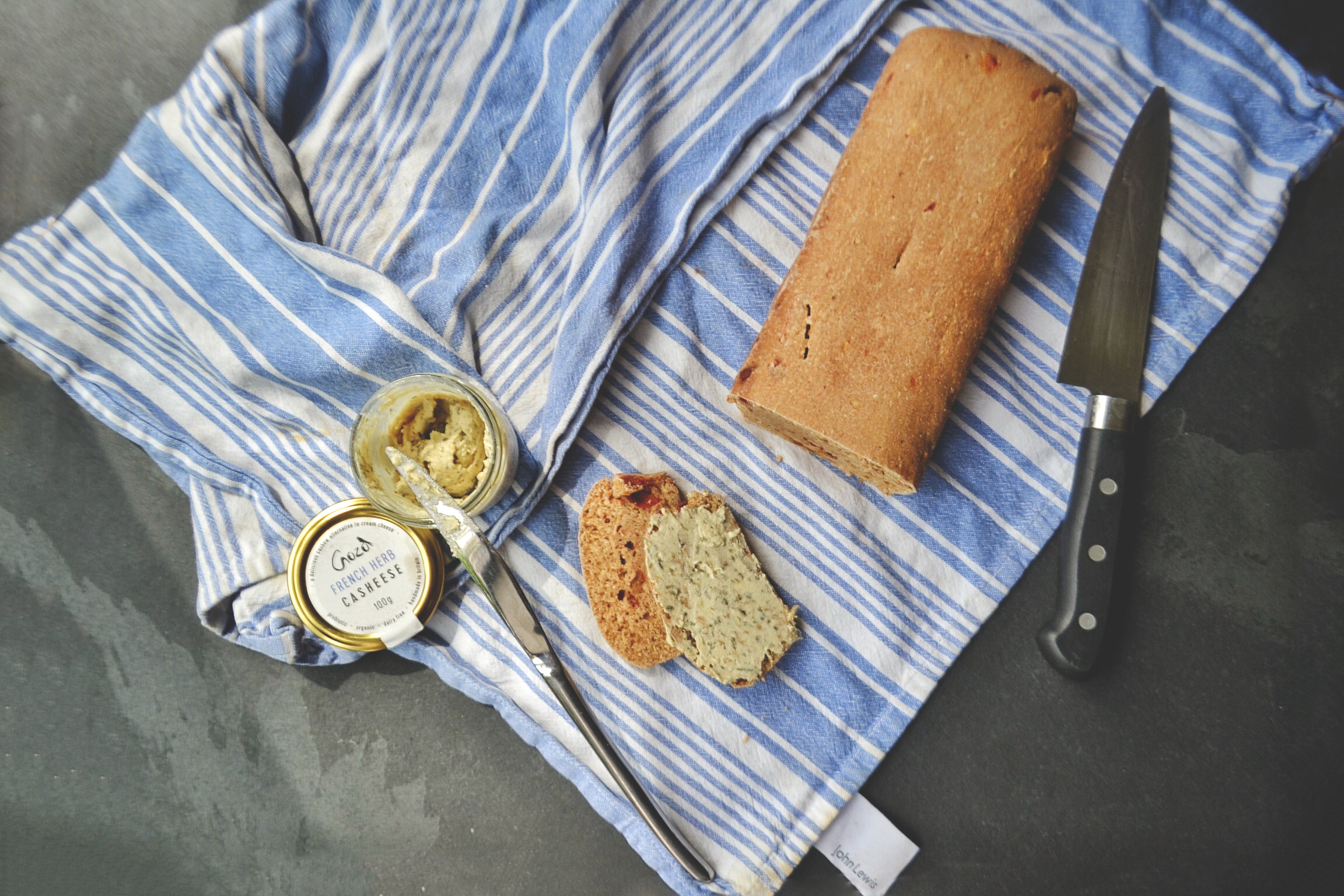 sundried tomatoes bread