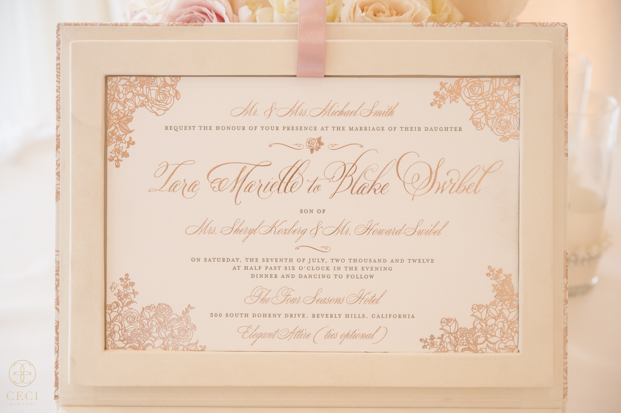 rose_gold_pink_romantic_real_wedding_roses_inspiration_cecinewyork_cecistyle_v152_1-3.jpg