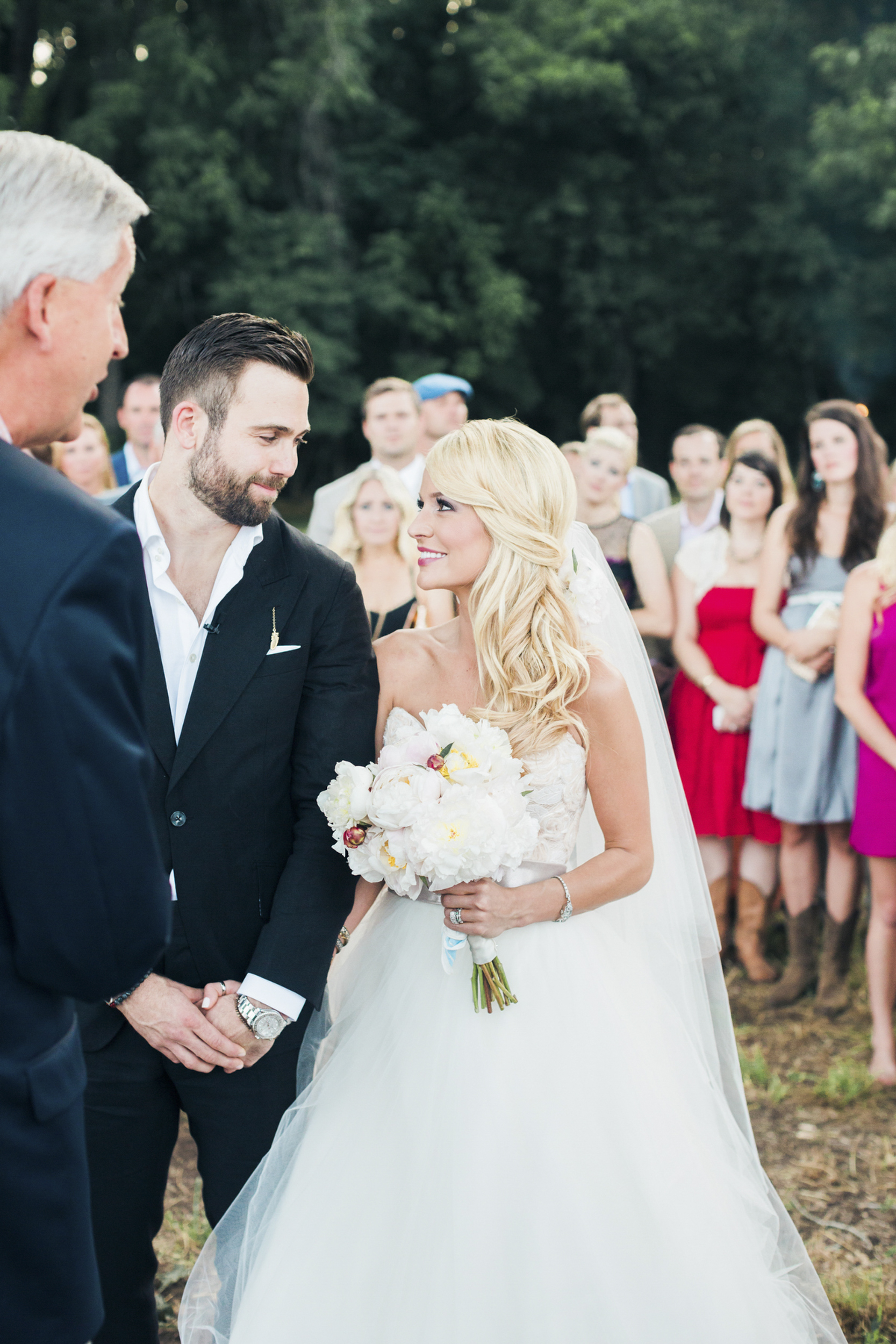 south_carolina_farm_wedding_rustic_chic_surprise_secret_luxe_wedding_bachelorette_emily_maynard_real_weddings-36.jpg